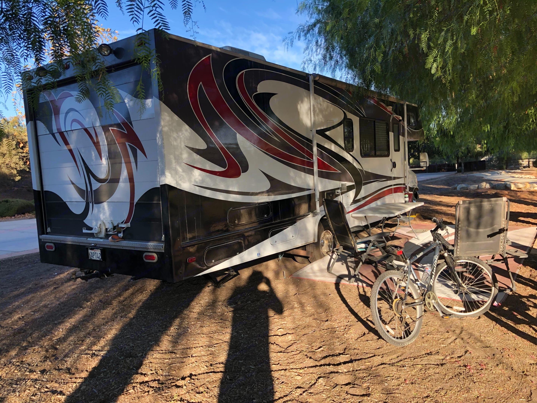 Thor Motor Coach Four Winds Fun Mover 2004