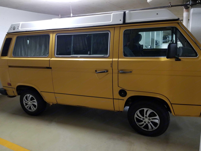 Passenger side . Volkswagen Westfalia 1982