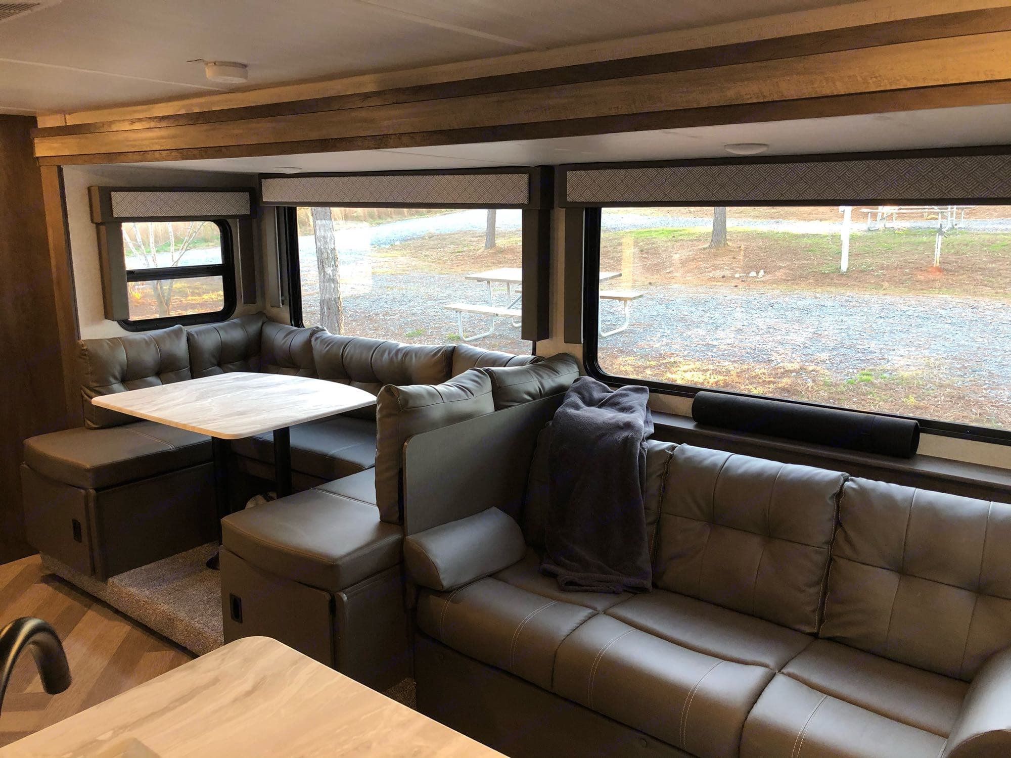 Seating / Sleeper Sofas. Forest River Wildwood X-Lite 2021