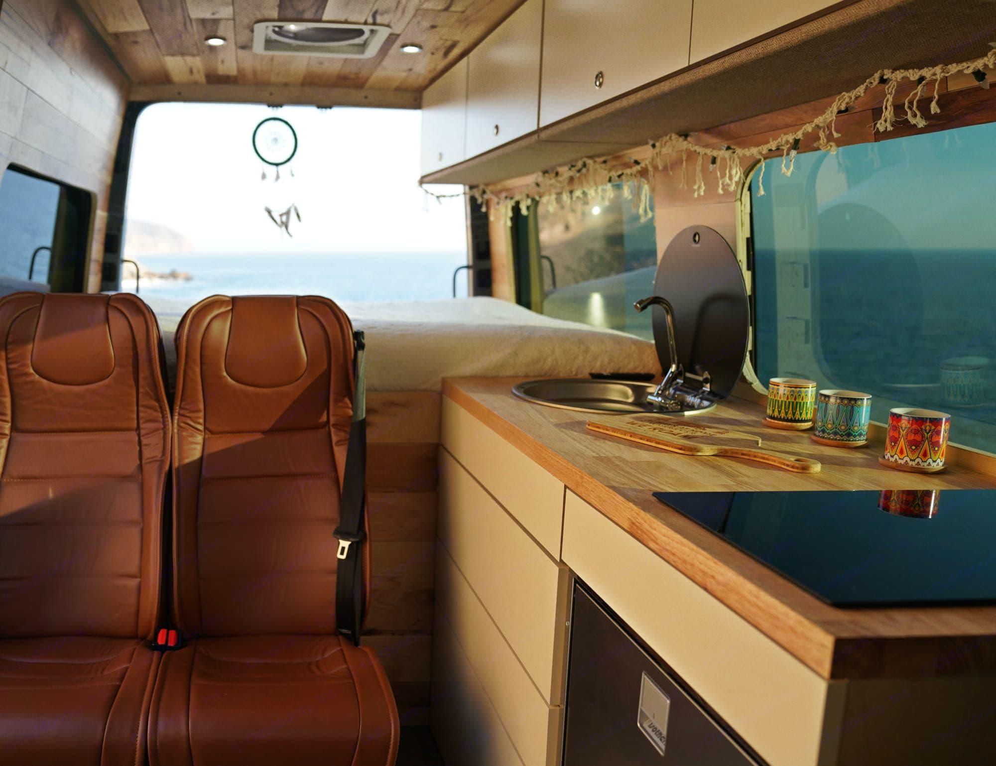 Mercedez-Benz Sprinter 2020 Sprinter 2500 Cargo Van 144 2020