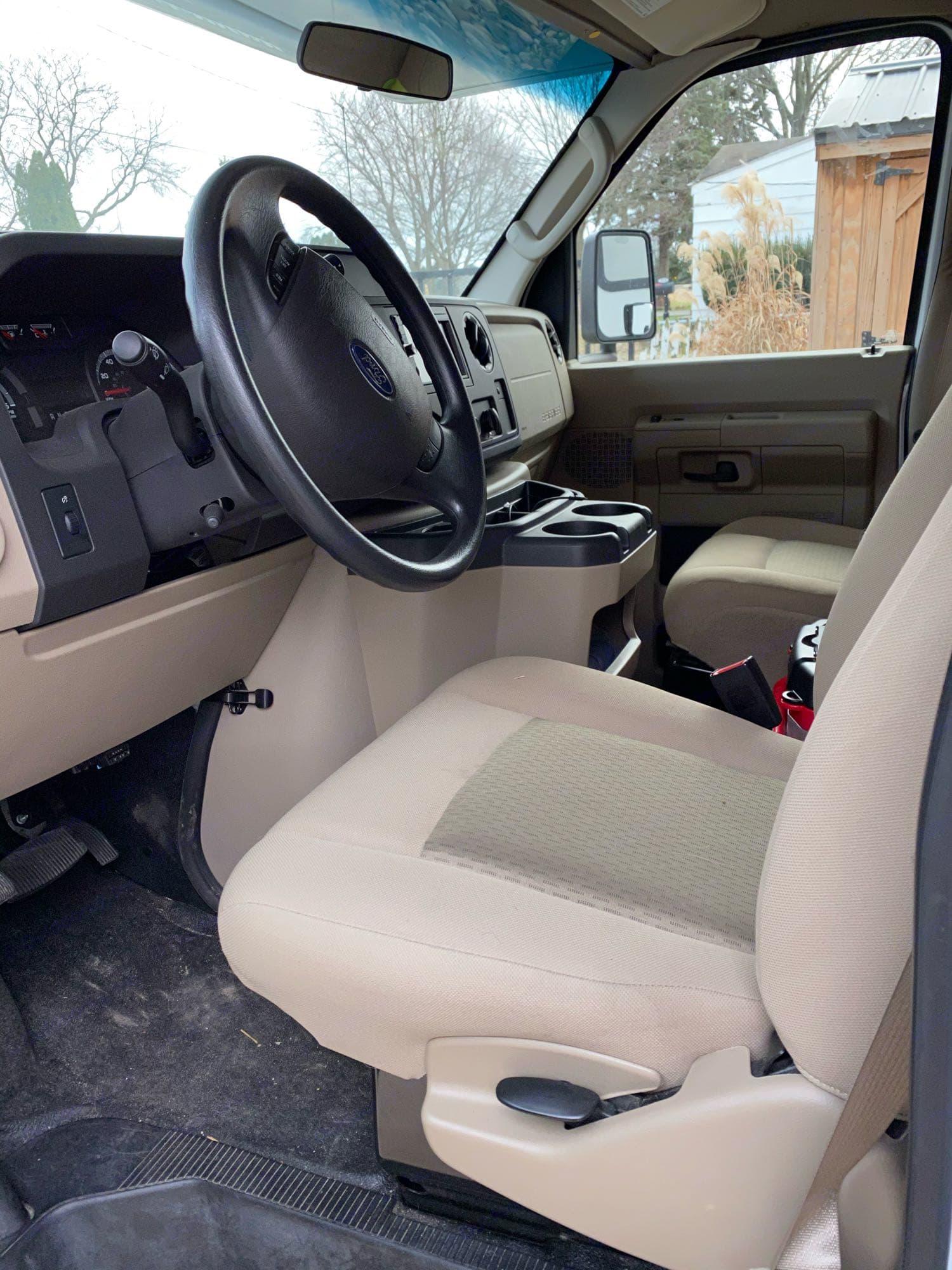 Drivers area. Winnebago Outlook 2019