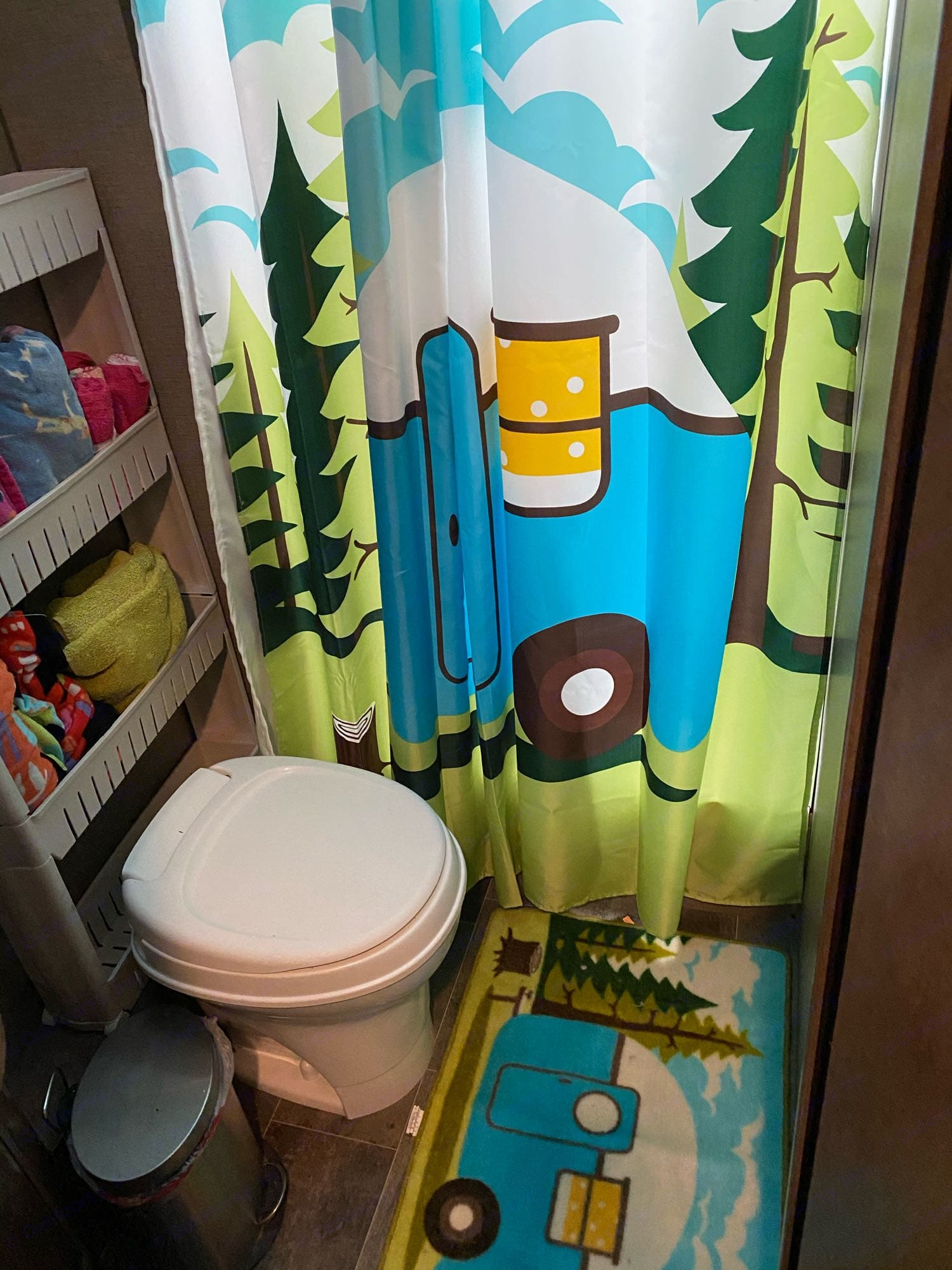 Large bathroom with a shower. Winnebago Outlook 2019