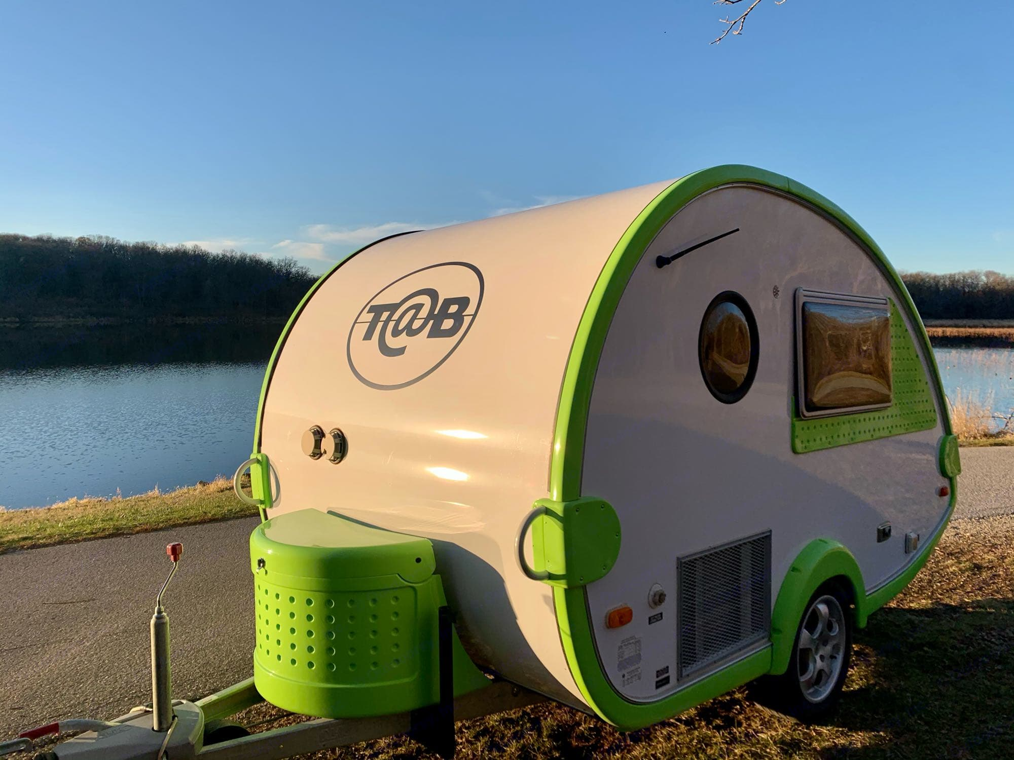 The Pea Pod teardrop camper is a head turner and a great place to lay your head on your adventures. T@B T16 2008