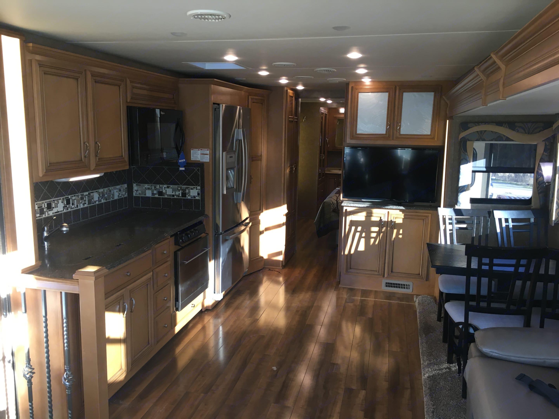 Kitchen. Newmar Canyon Star 2015