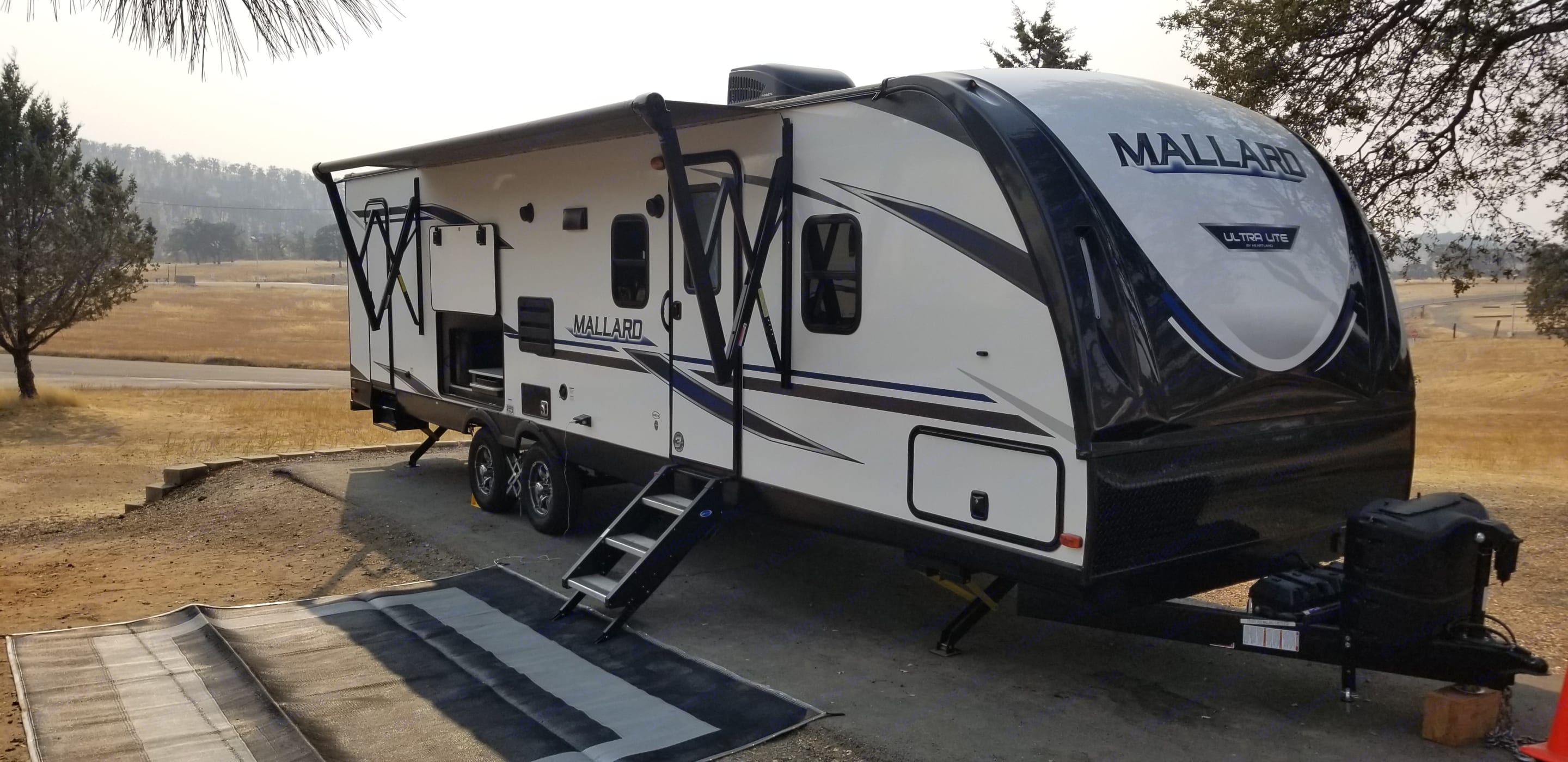 The heavy duty steps makes it safe and easy to get in and out.. Heartland Mallard 2020