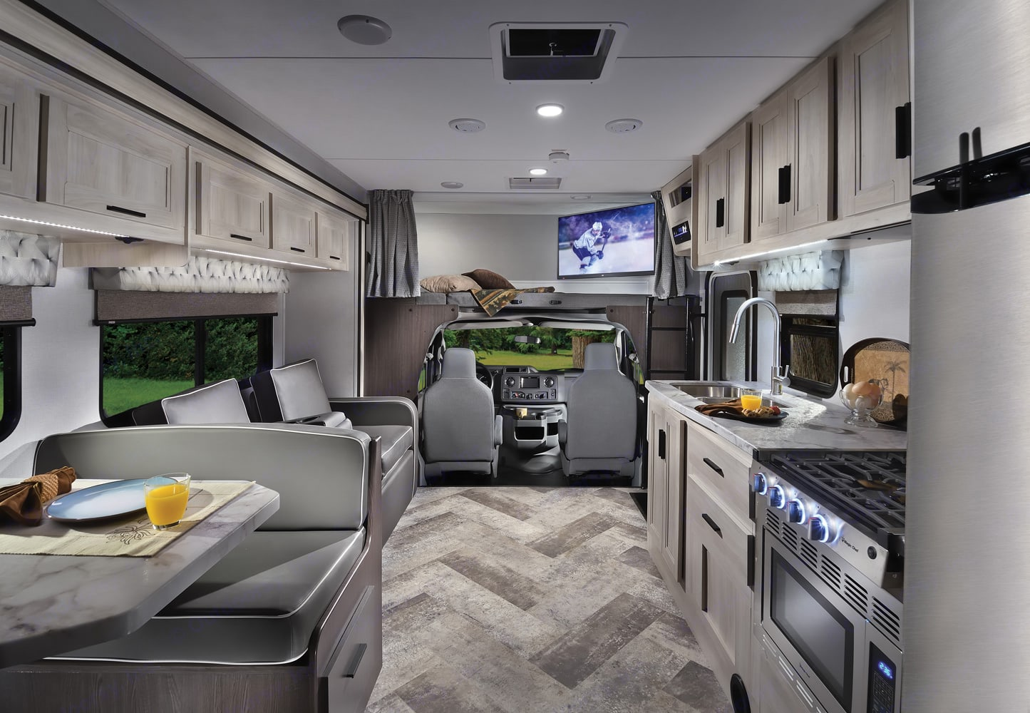 Living area. Forest River Sunseeker 2022