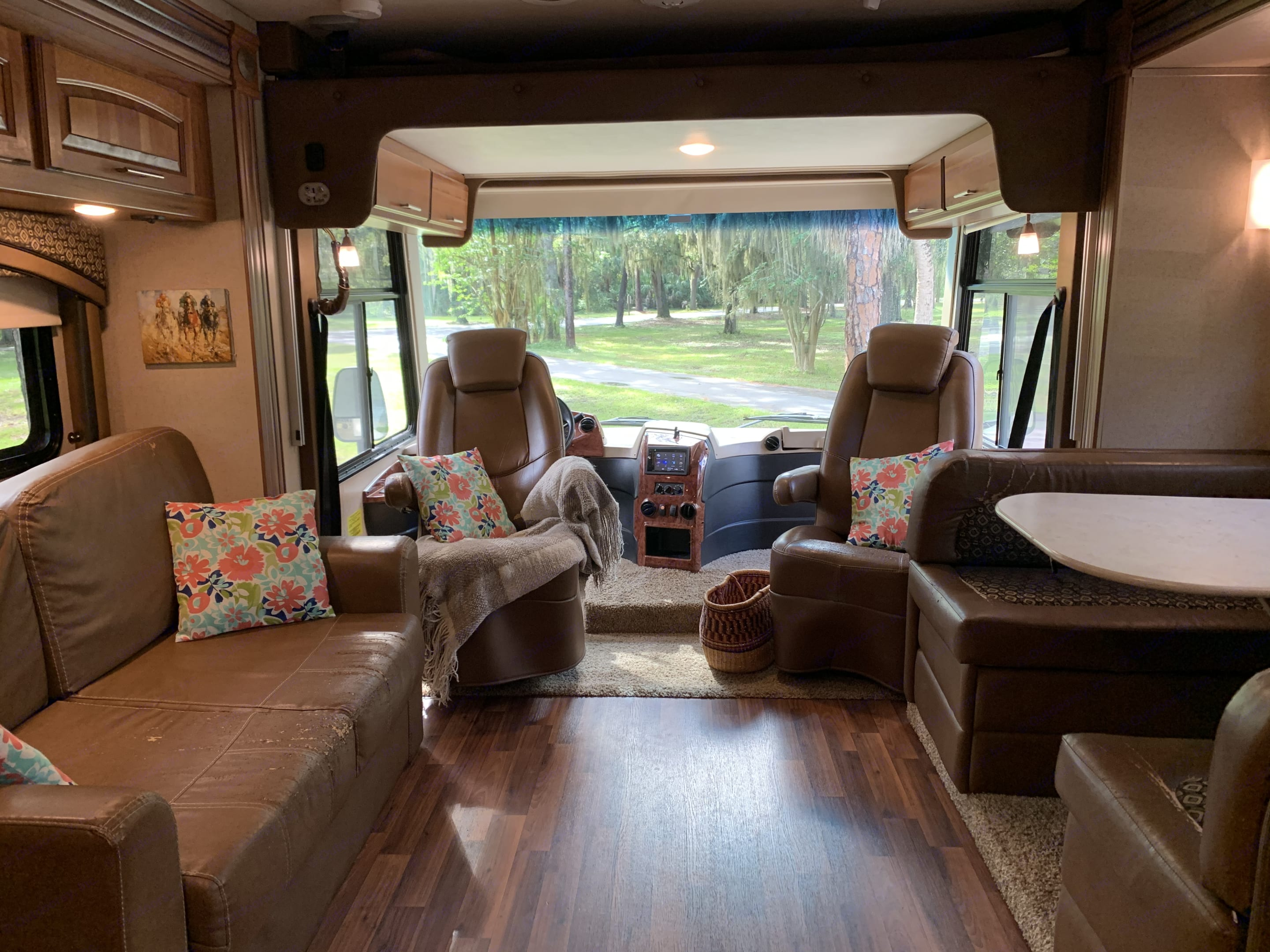 Wide cabin with 2 slideouts. Jayco Precept 2016