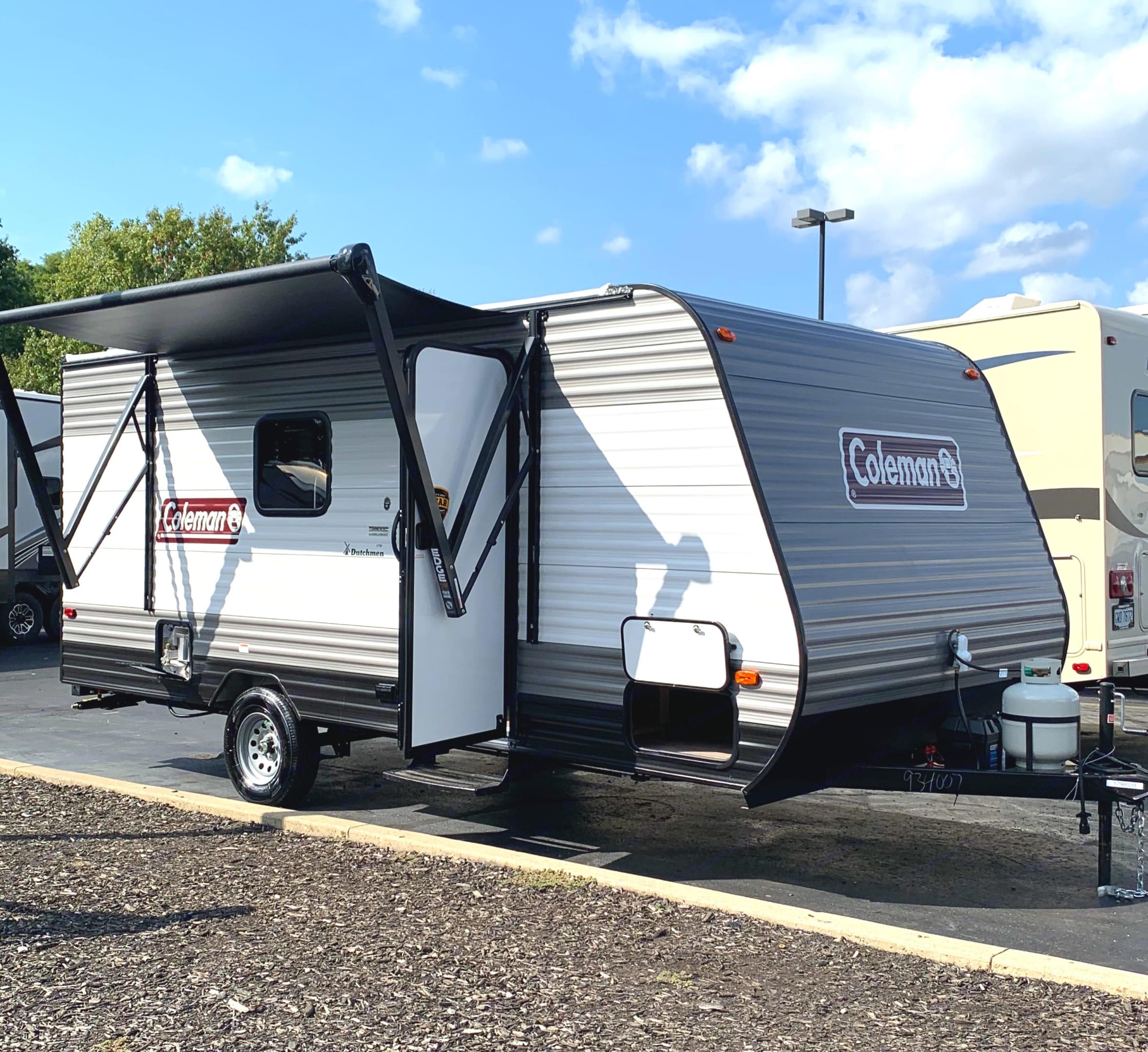 Powered awning will help you to hide from the sun or make cozy place to have a meal. Dutchmen Coleman 2021