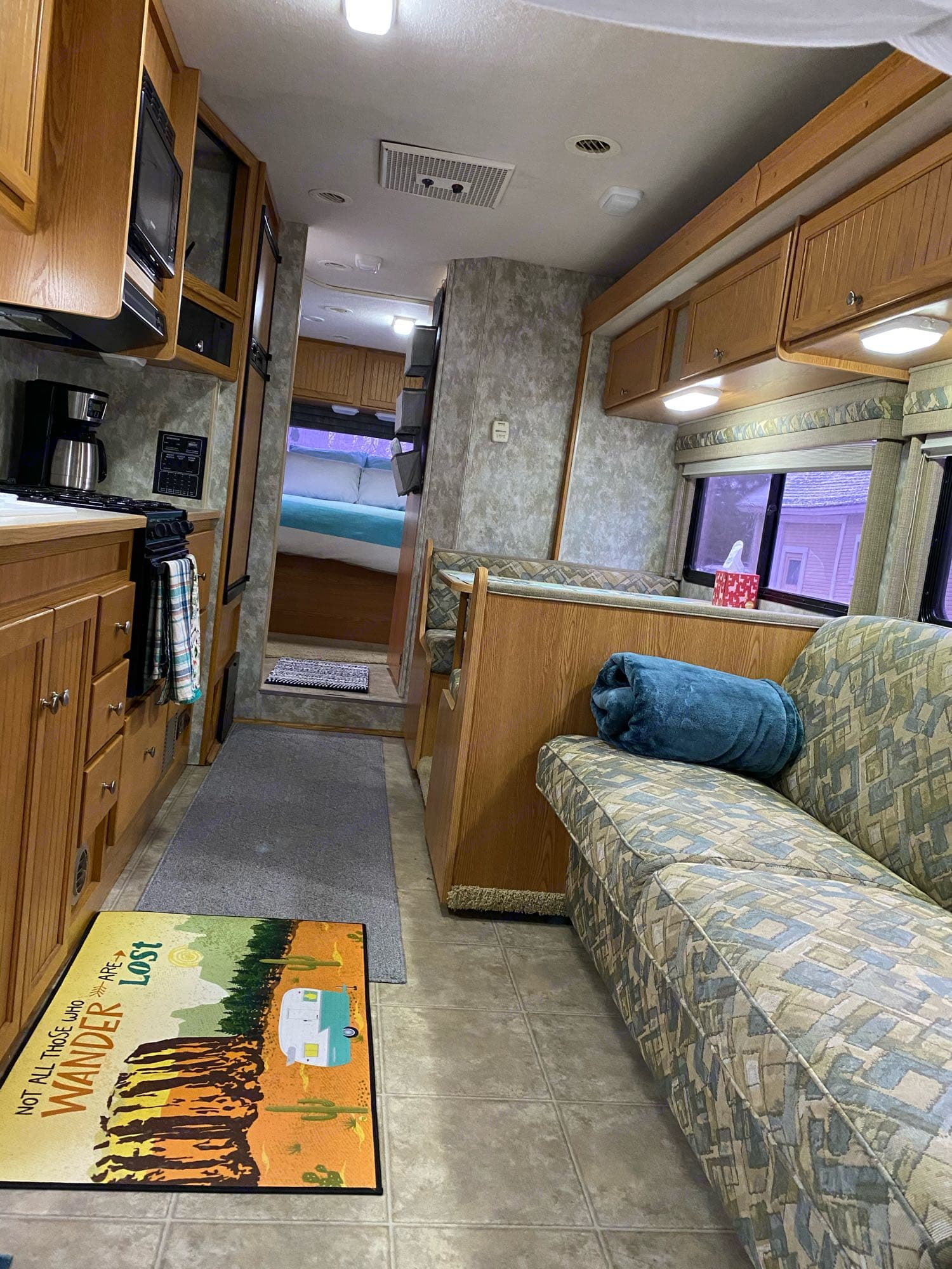 Couch pulls out into full sized bed.. Winnebago Access 2007