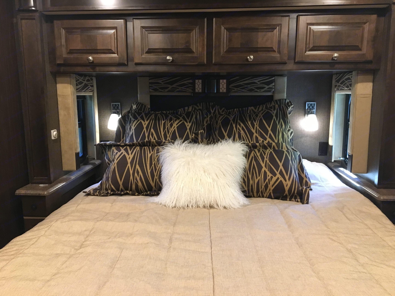 Wonderful memory foam king mattress will sooth your bones . Tiffin Motorhomes Allegro 2017