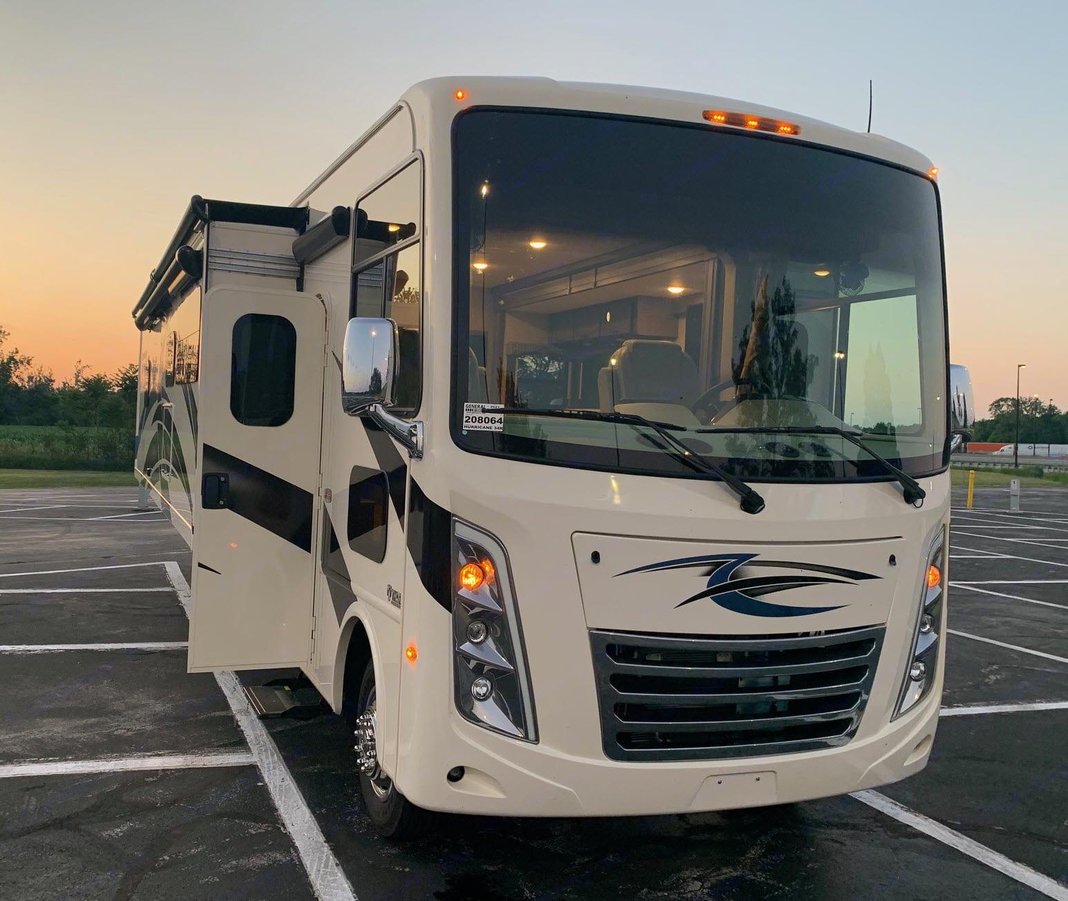 THE WIND BREAKER. Thor Motor Coach Hurricane 2020