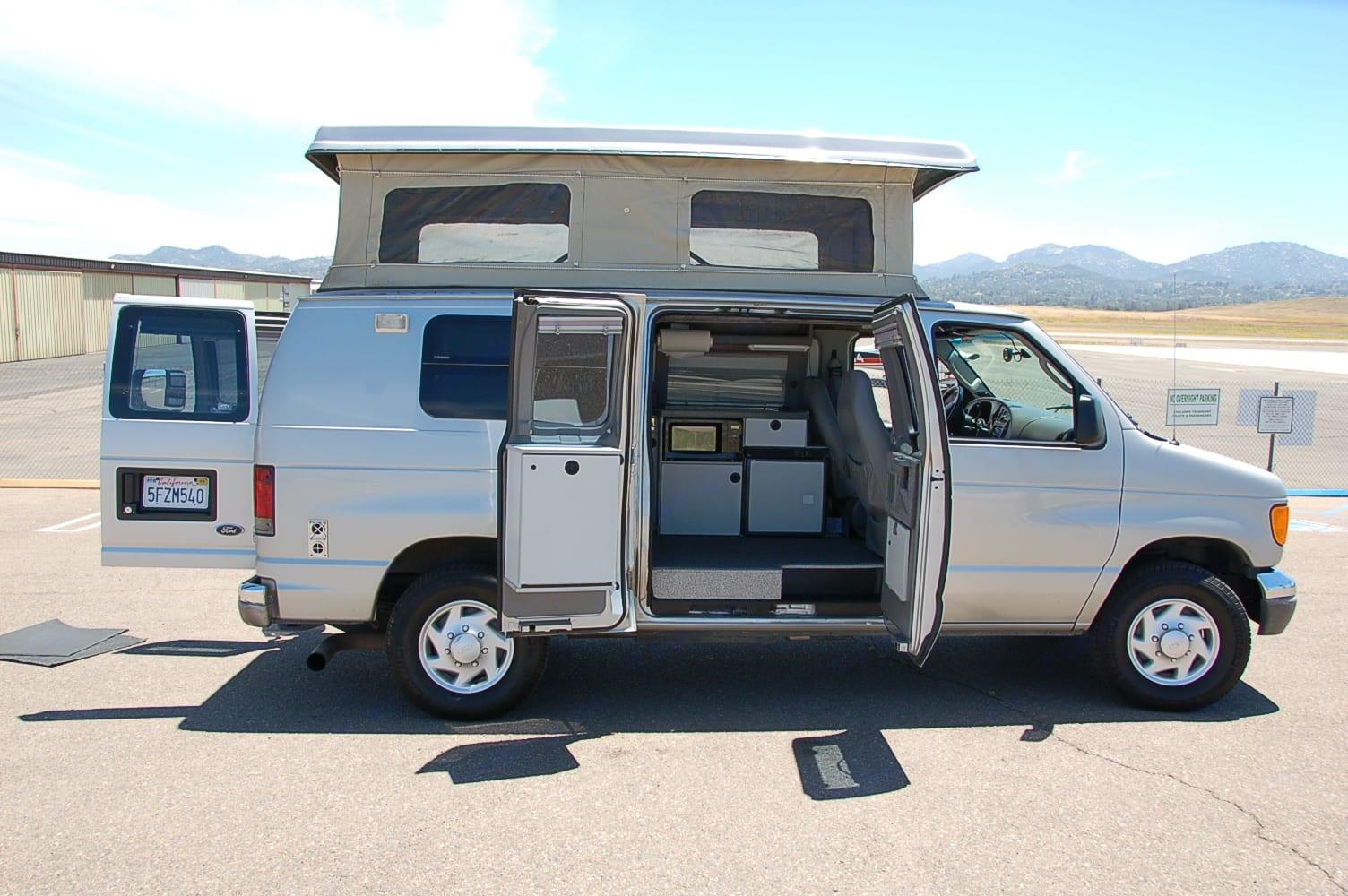 Sportsmobile E350 2003