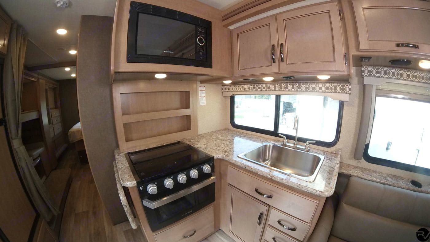 Kitchen. Thor Motor Coach Four Winds 2019