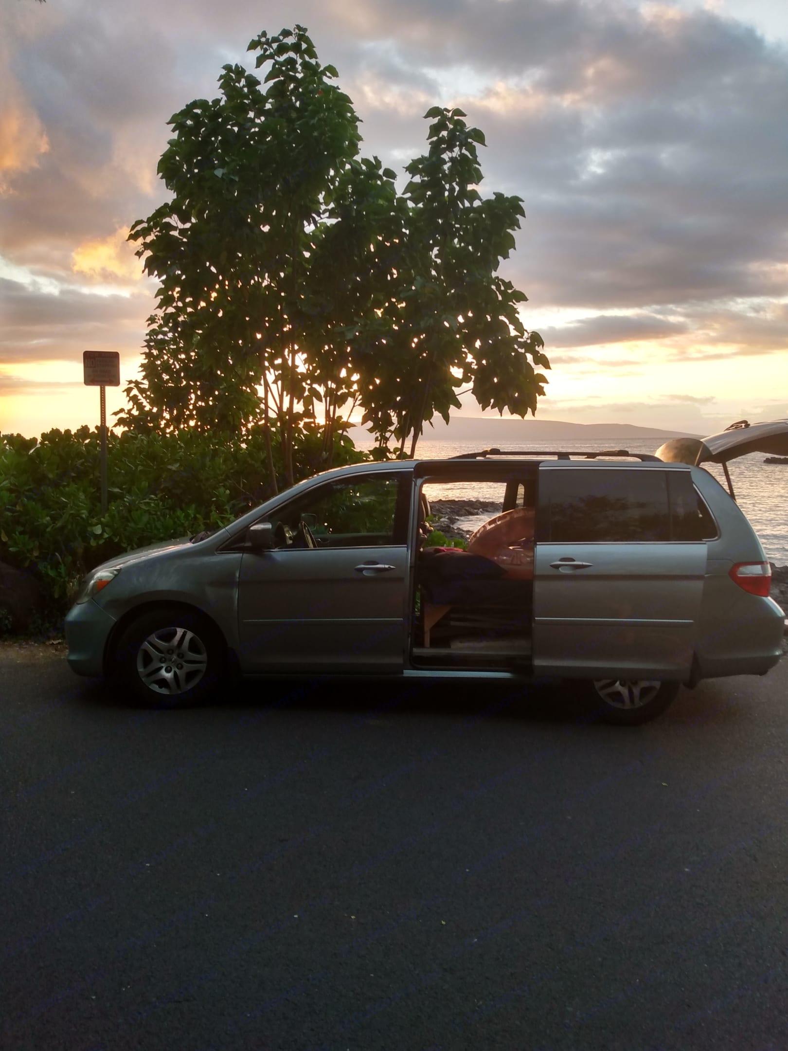 Maui Van Camping for an epic adventure . Honda Odyssey 2005