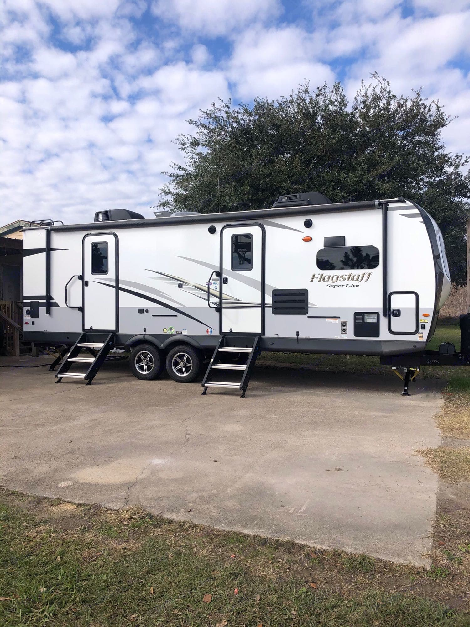 Front Without Awning. FLAGSTAFF SUPER LITE 2021