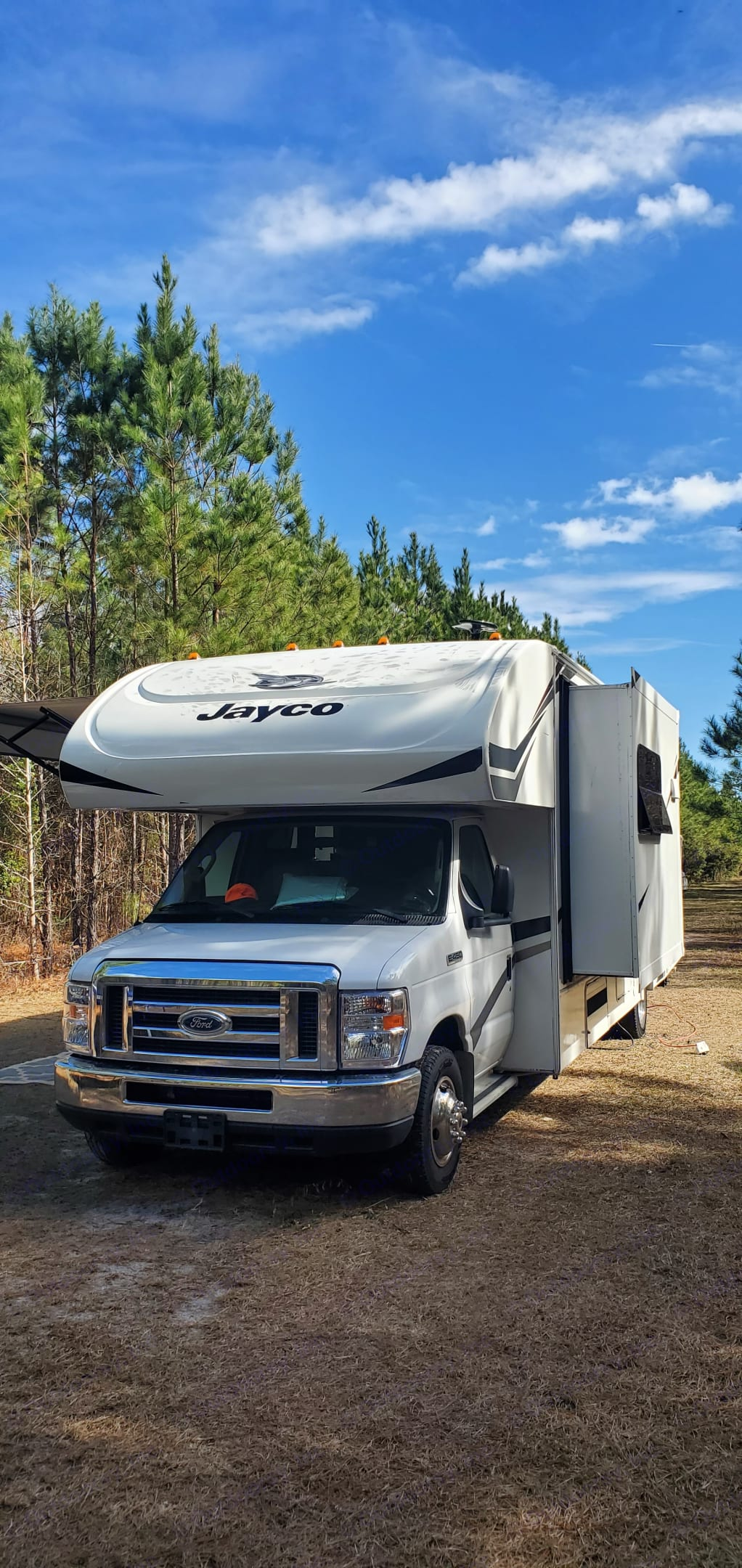Fully equipped to go off the grid. Jayco Redhawk 2019