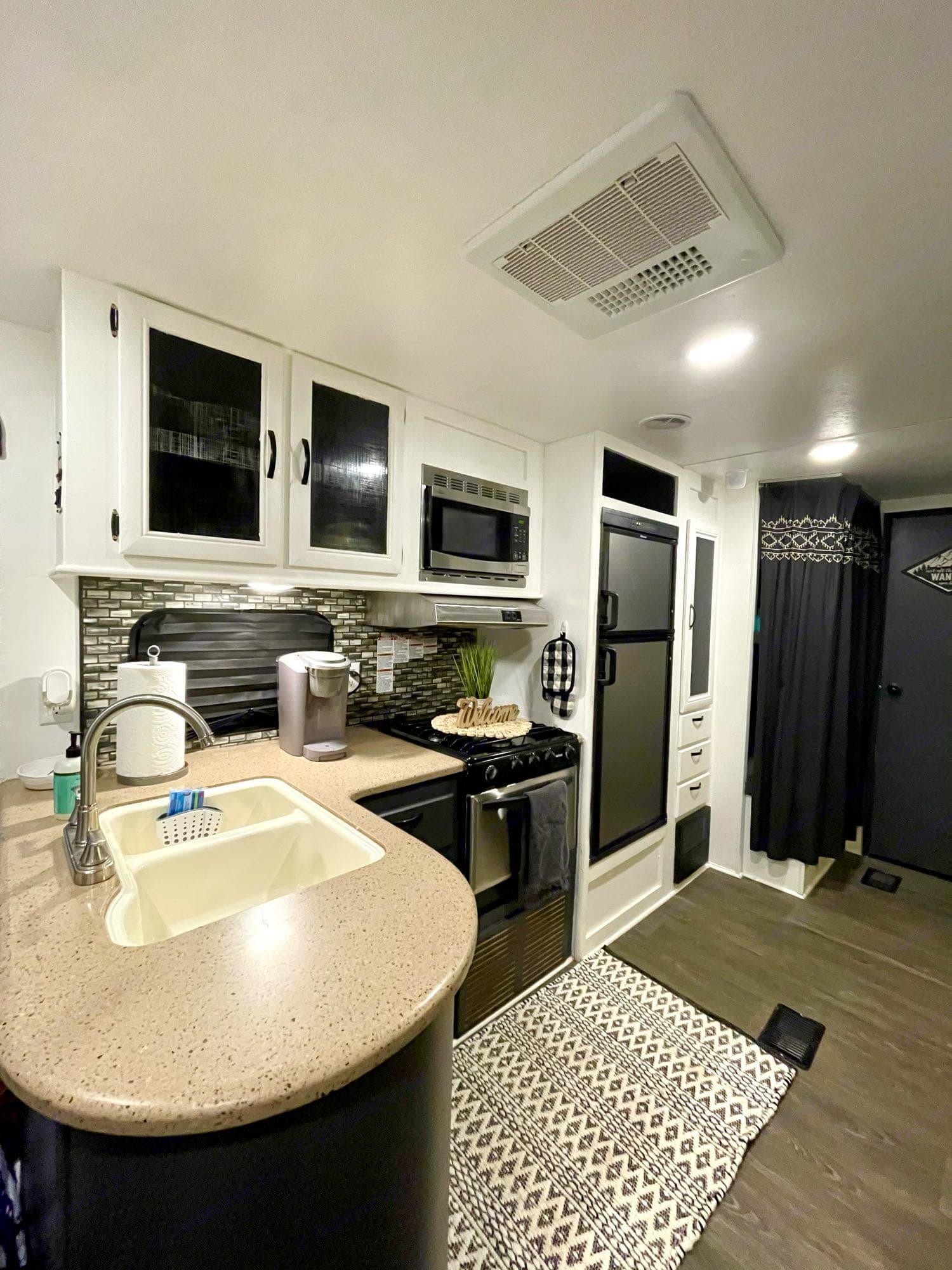 kitchen. Forest River Wildwood 2016