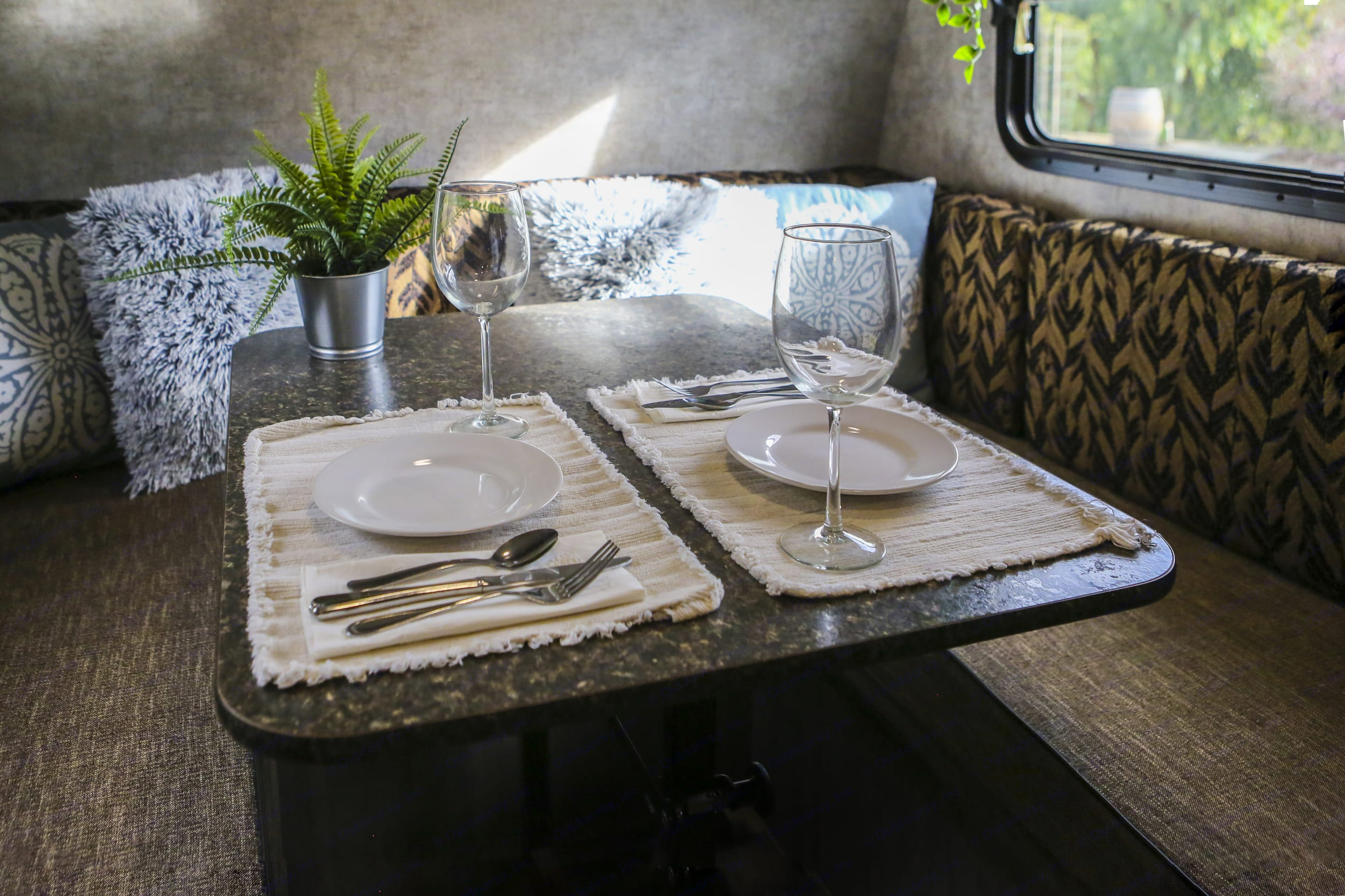 Enjoy a home cooked meal while on the road, or double the table as a work and/or gaming station.. Winnebago Winnie Drop 2017