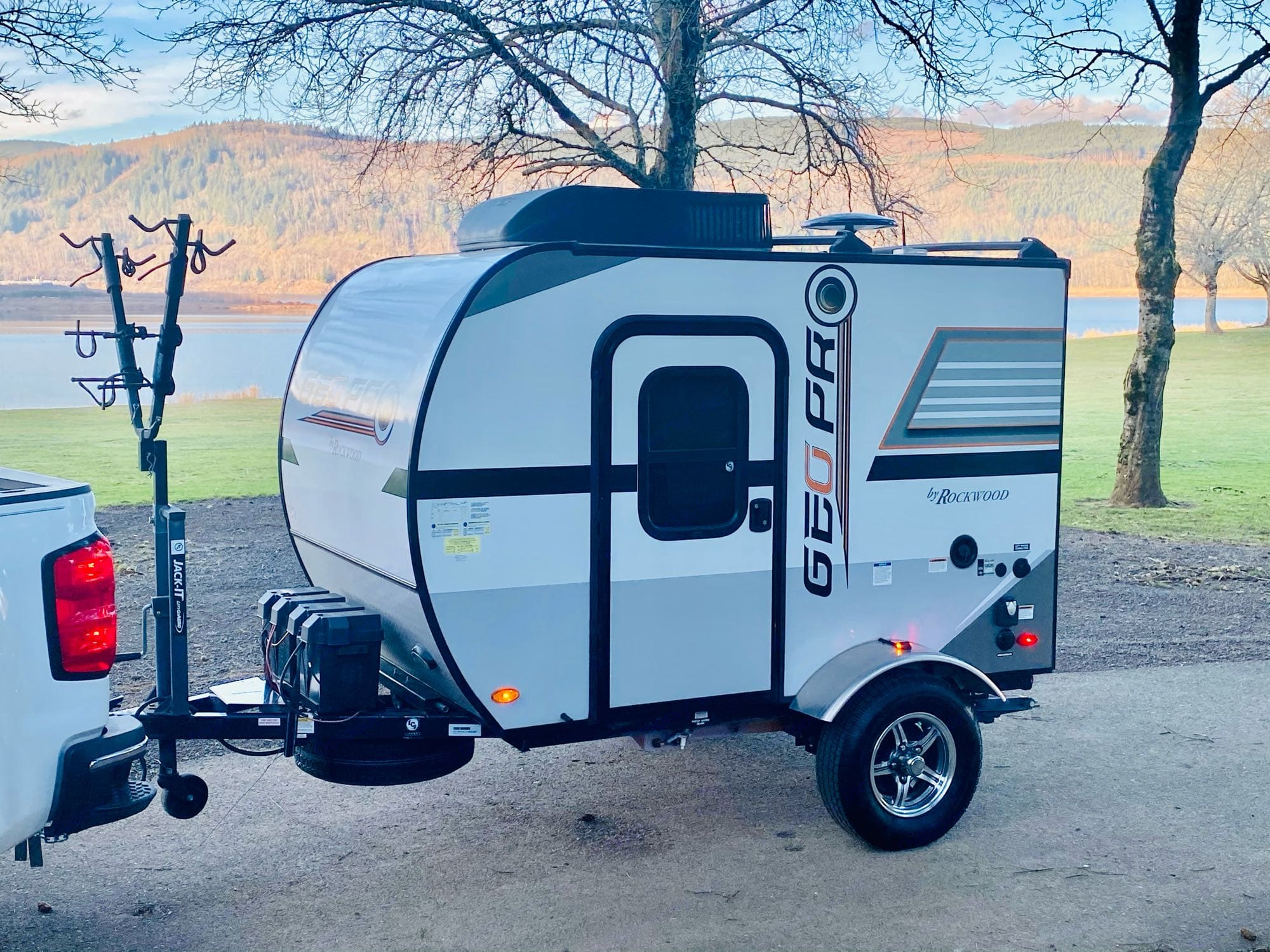 """Joey is a lot of fun and comfort packed into an 11'3"""" trailer!. Rockwood Geo Pro RK12 2018"""