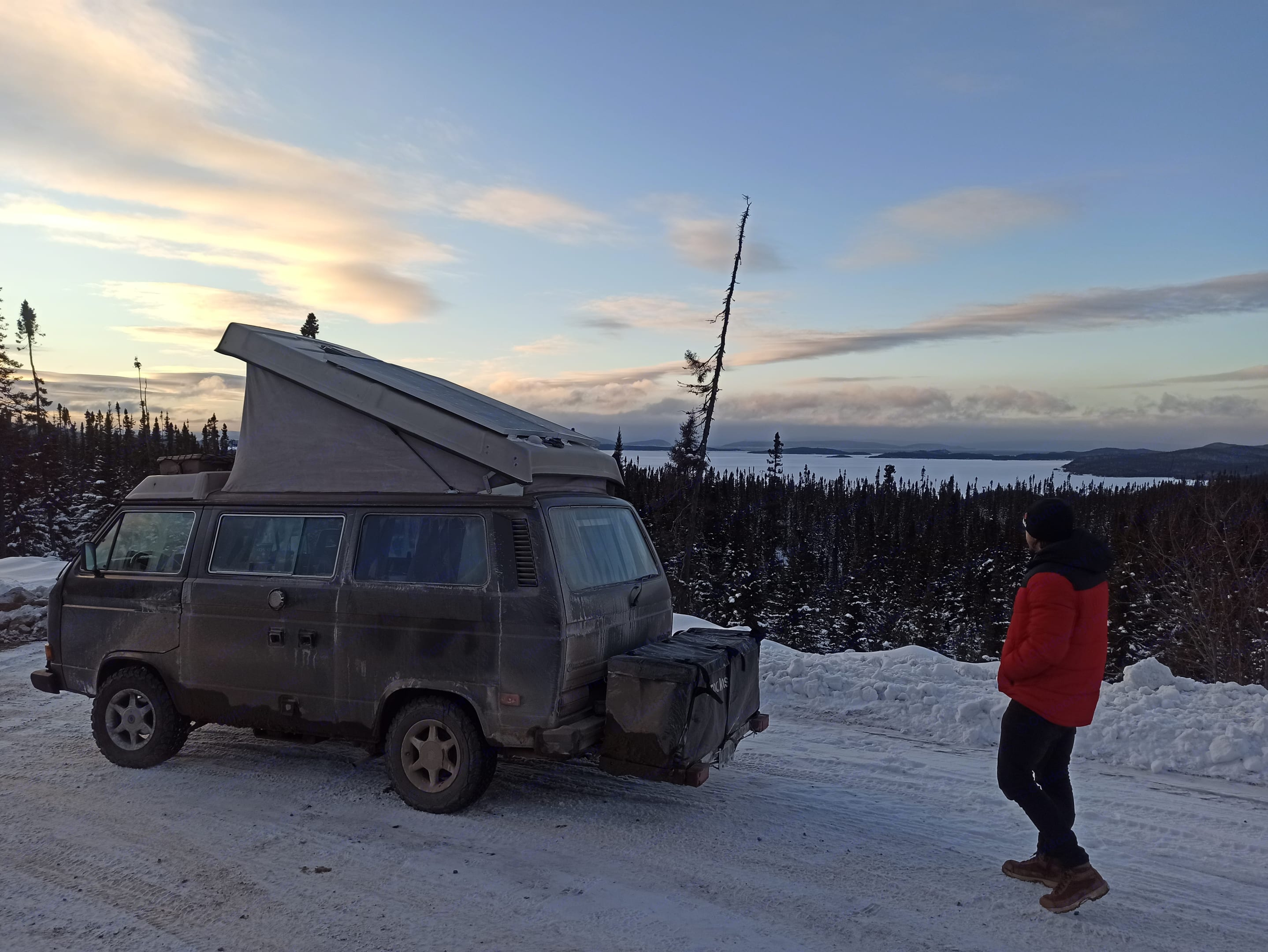 Stopping for a view of the worlds 2nd largest lake-island. Volkswagen Westfalia 1986
