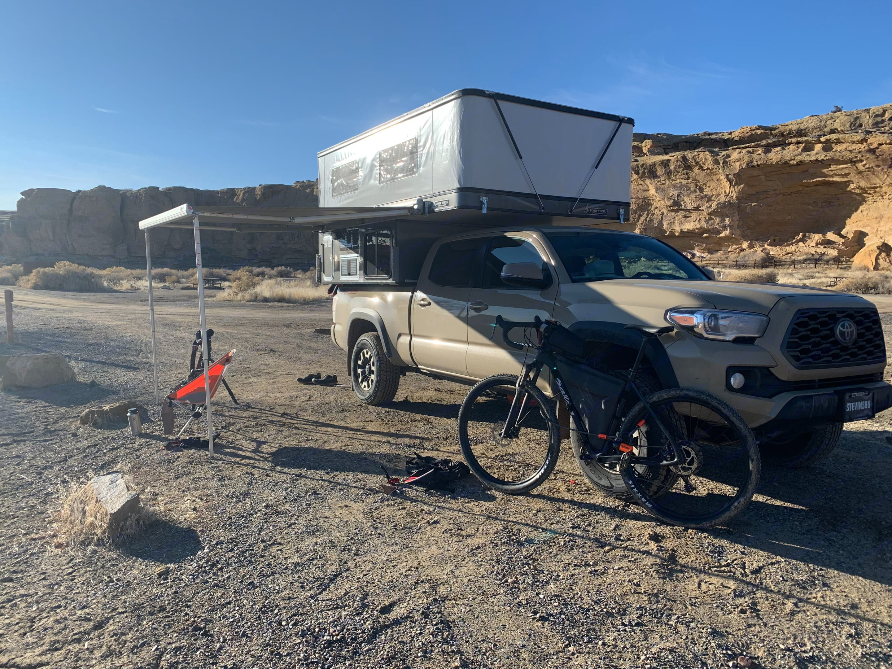 Four Wheel Campers Toyota Tacoma TRD 4x4 2020