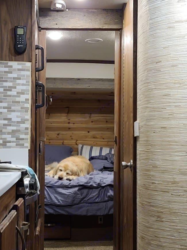 Queen bed with private sliding door. Fleetwood Tioga 2013