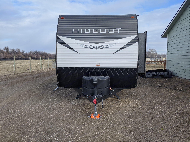 Electric trailer jack, dual propane tanks. Keystone Hideout 2020