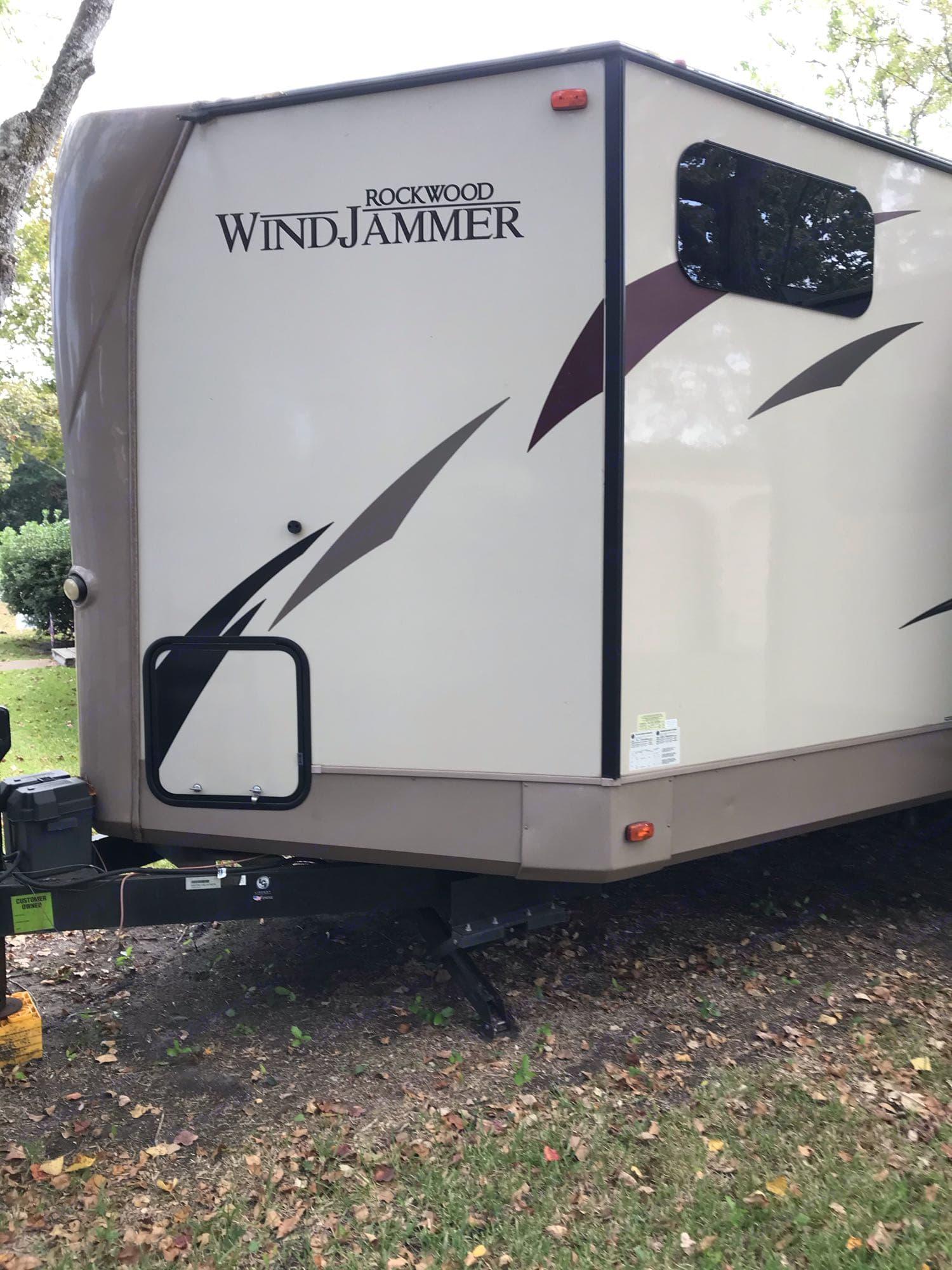 battery storage. Forest River Rockwood Windjammer 2018