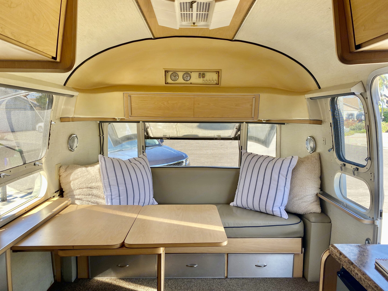 Airstream Globetrotter 1972