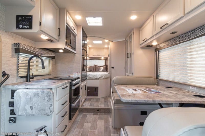 Spacious and cozy interior for your enjoyment. Thor Motor Coach Chateau 2021