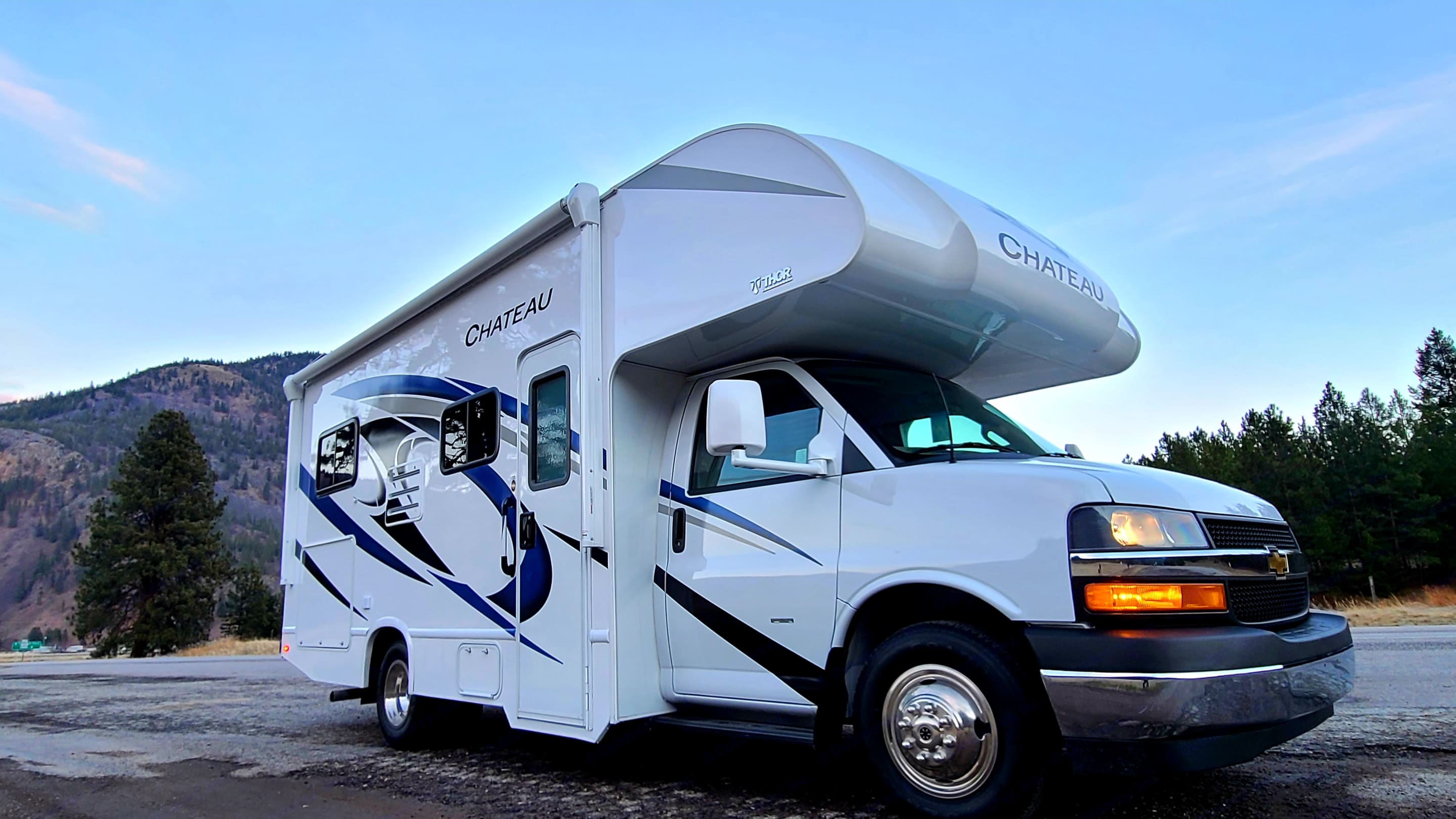 Great choice for your family's adventure. Thor Motor Coach Chateau 2021