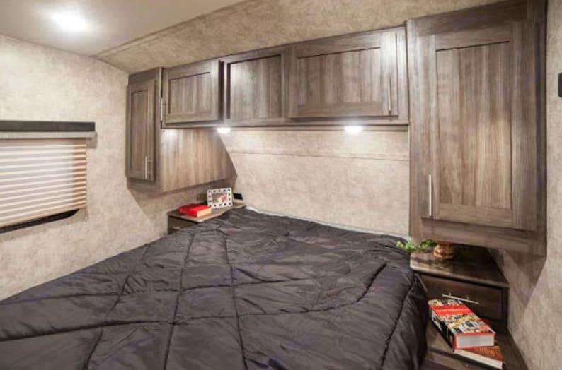 Queen bed bedroom with storage. Open Range Open Range 2018