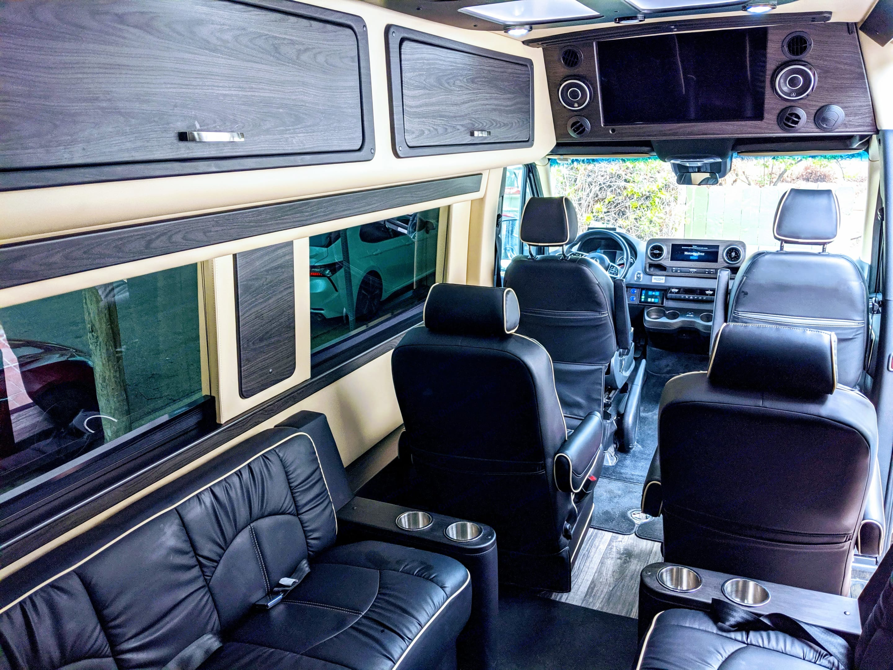 Midwest Automotive Designs Ultimate RV 2021