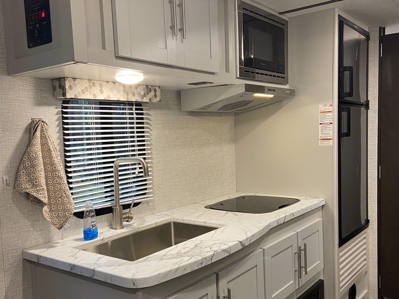 Clean kitchen!. Keystone Bullet 2021
