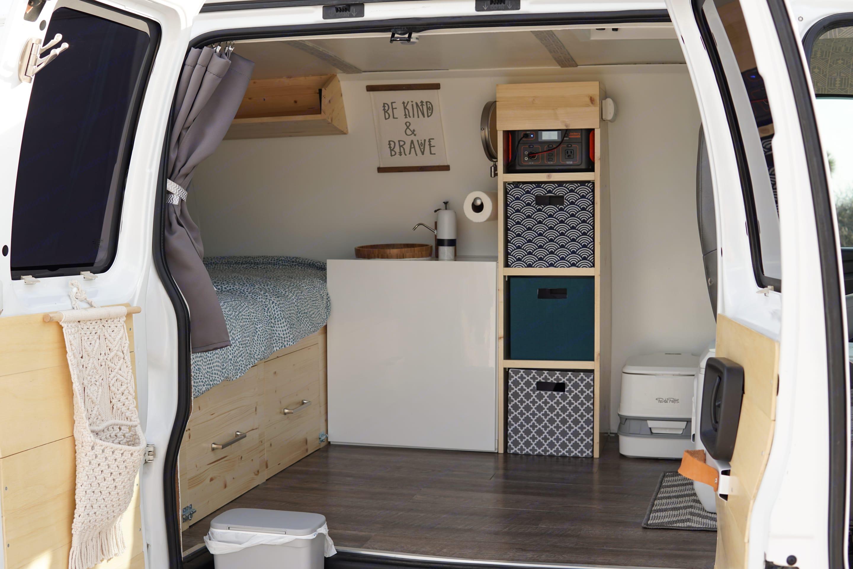 Sink, toilet, storage, drawers all custom built.. Chevrolet Express 2500 2006