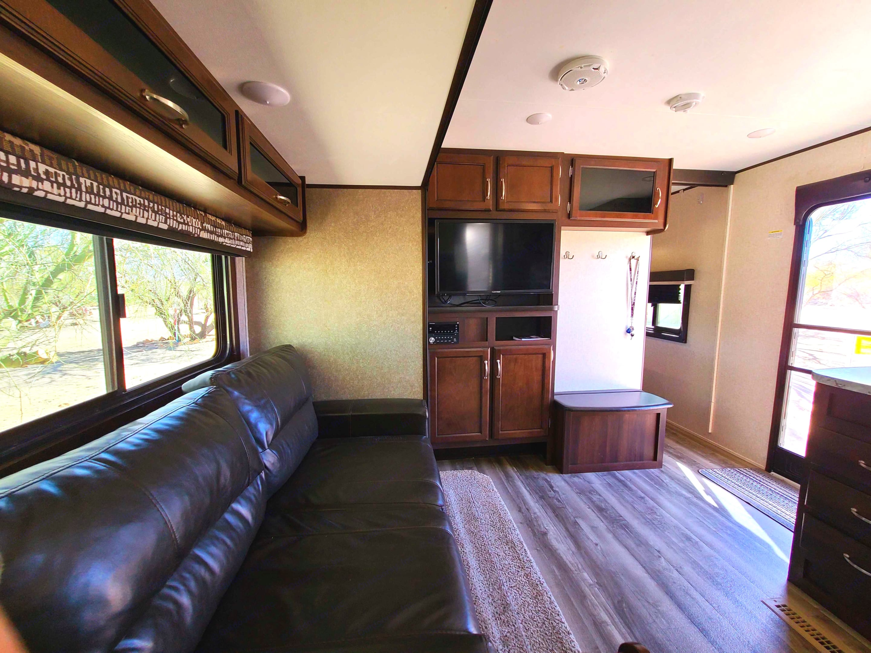 Comfortable couch that can be turn in to a bed.. Jayco Jay Flight 2018