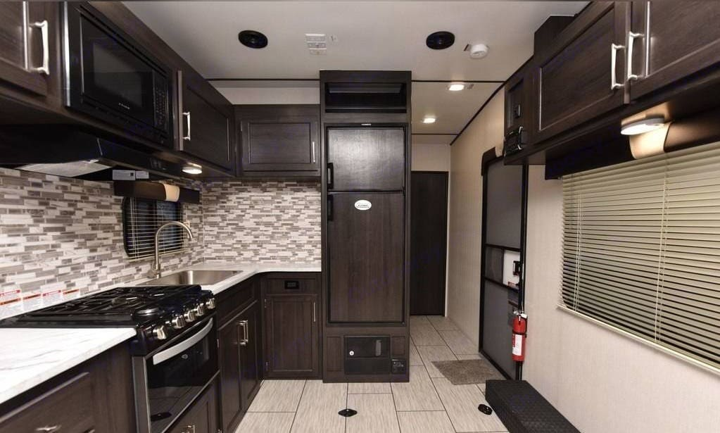 Gorgeous interior with lots of room for storage and living. Pacific Motorworks SURFSIDE 2021