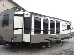 This trailer gives the perfect view all along the wall and through the back windows as well.. Forest River Surveyor 2016