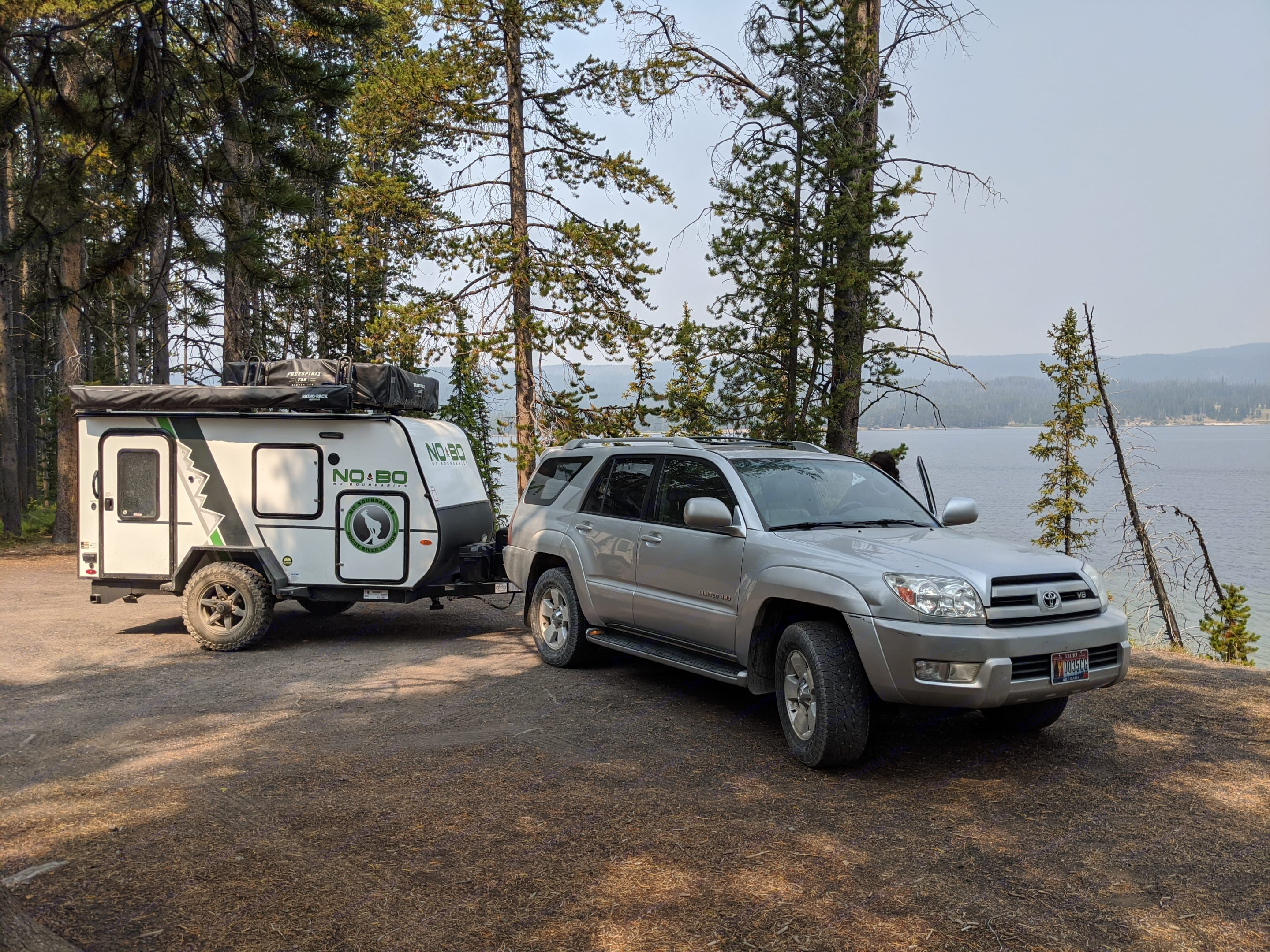 Easily towed with a standard size SUV, no need for a big truck (trucks are obviously still welcome to rent and tow). Forest River No Boundaries 10.5 2020