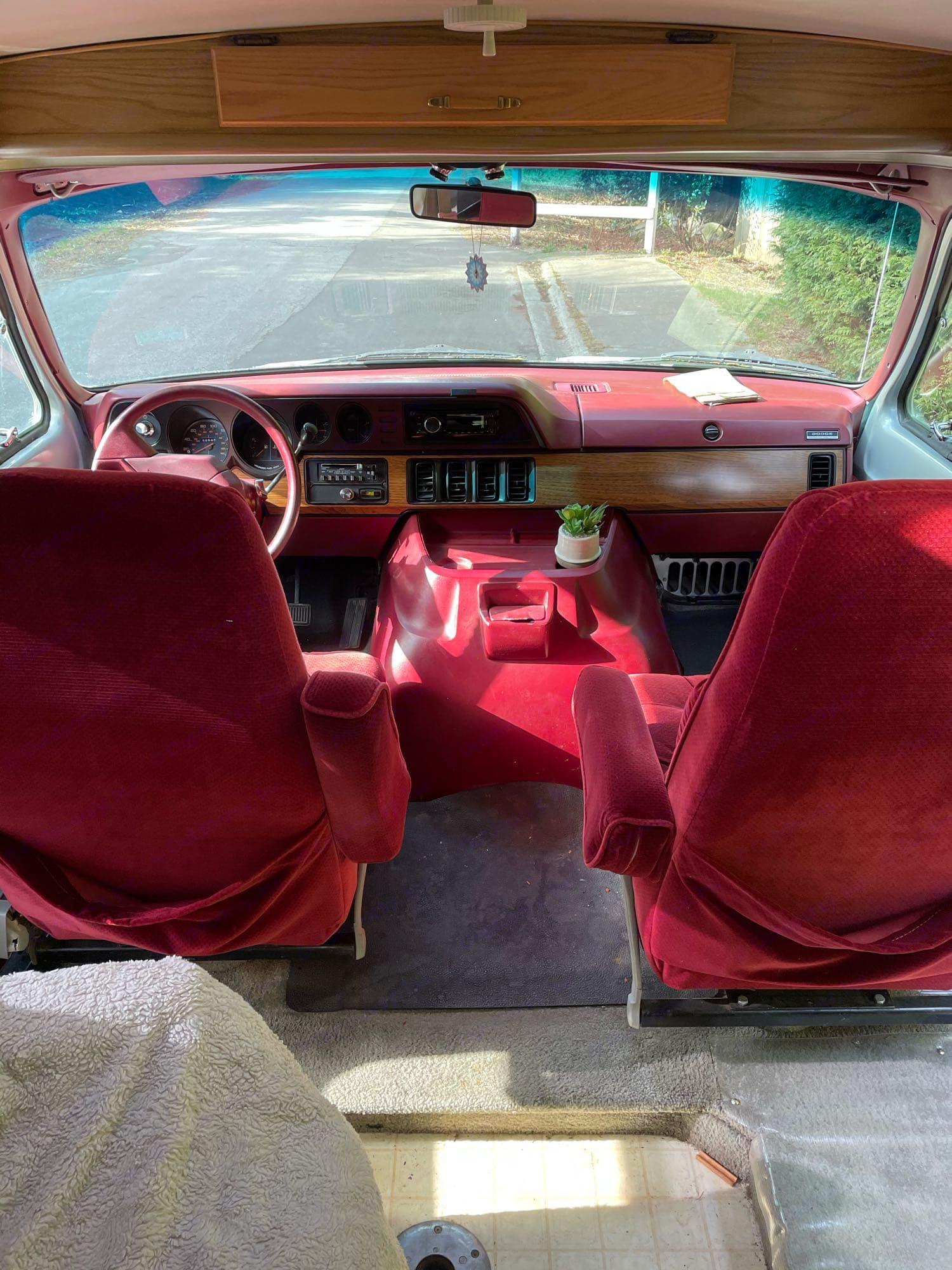 Dodge Pleasure Way 1988