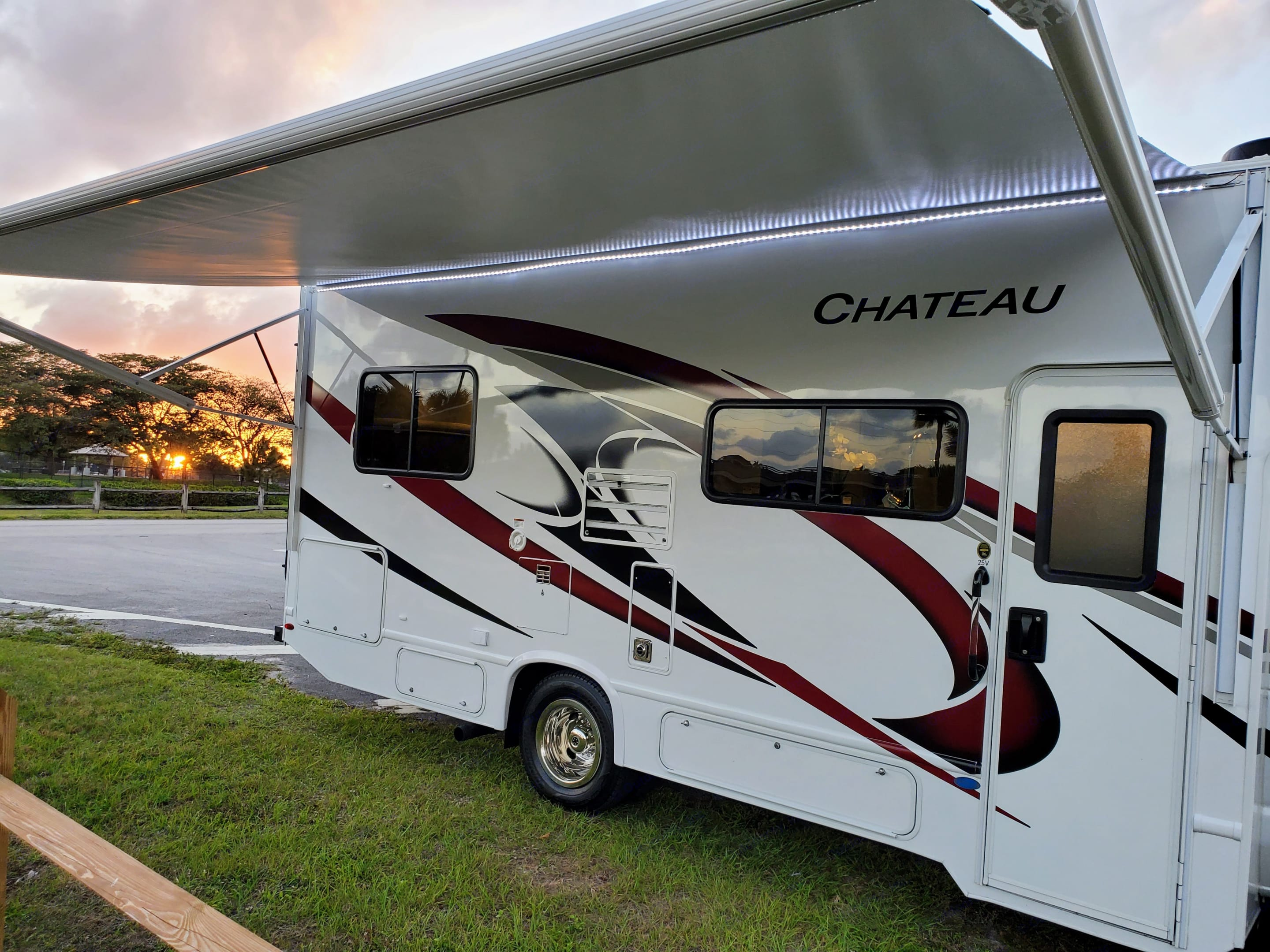 """Electric awning size - 17'-6"""" with LED light. Thor Motor Coach Chateau 2021"""