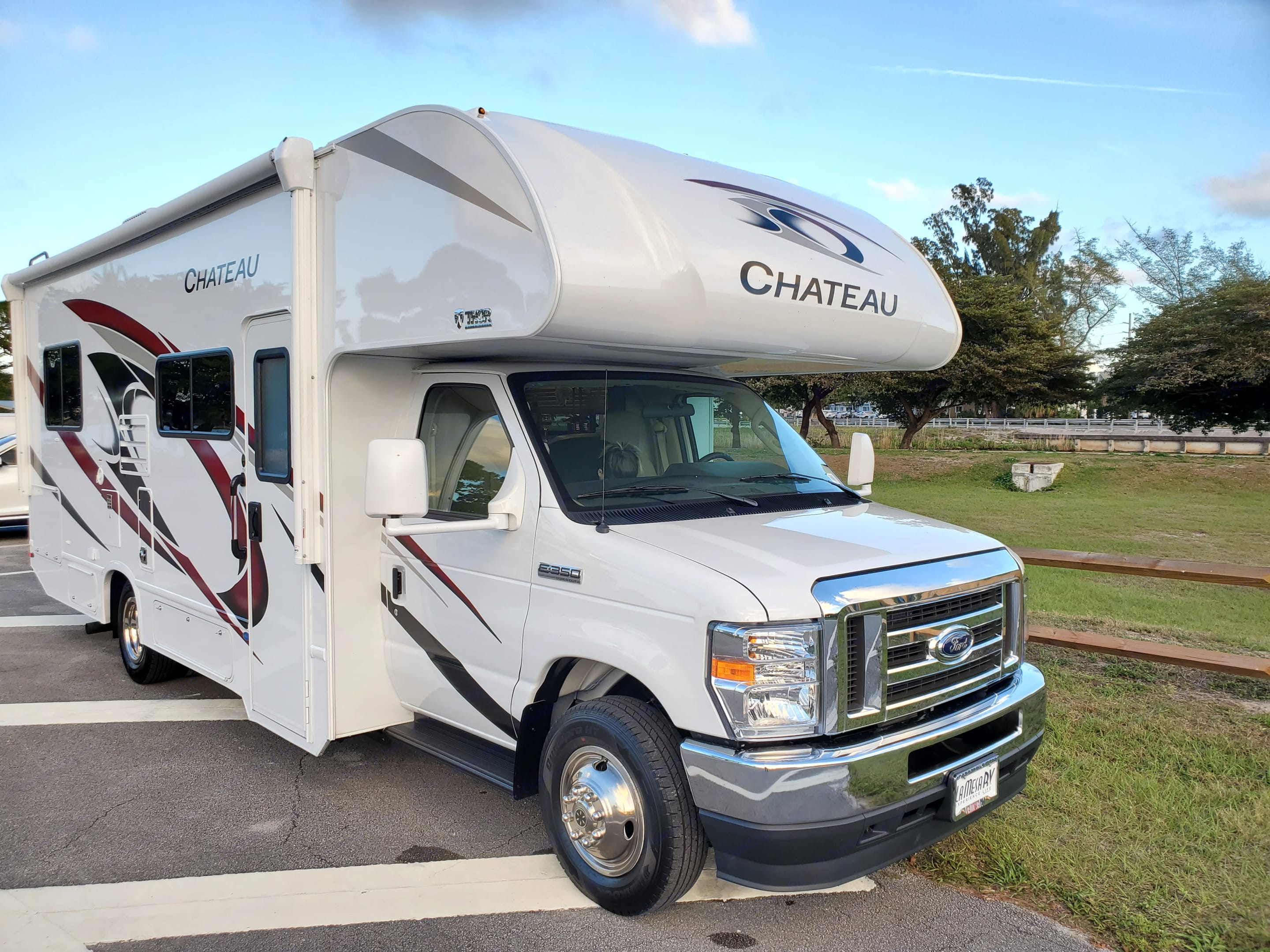 """Ford Exterior Length 26'-5"""" Exterior Height (w/ AC ) - 11'-0"""". Thor Motor Coach Chateau 2021"""