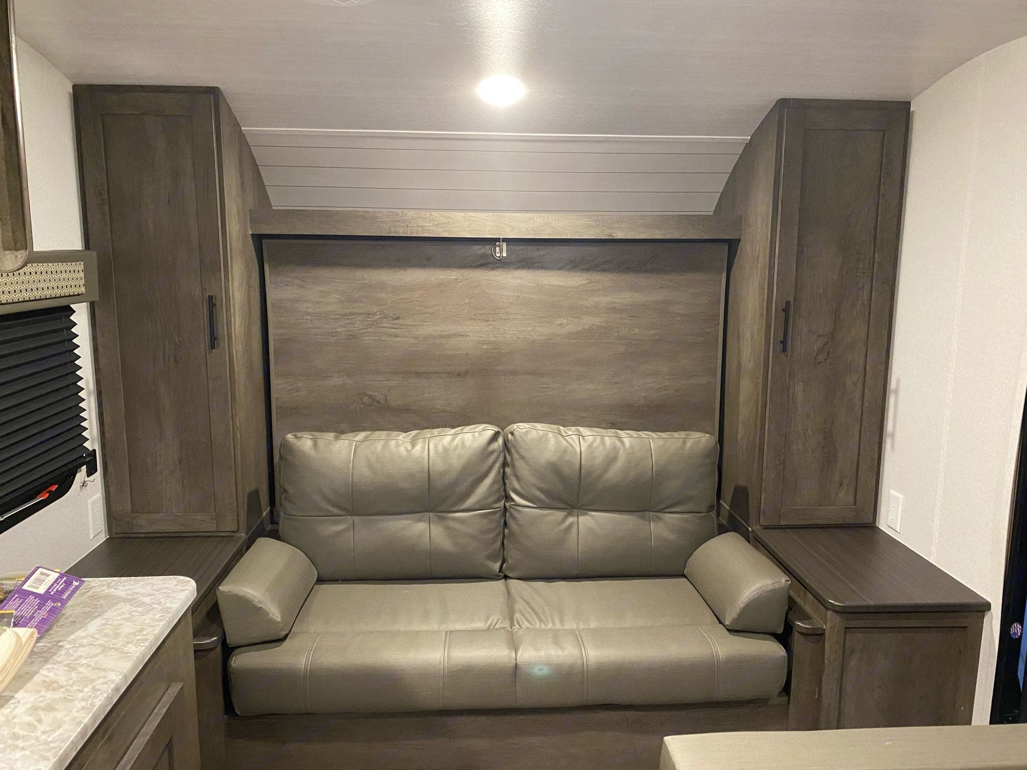 Convertible couch to queen murphy bed. Forest River Cruise Lite 2021