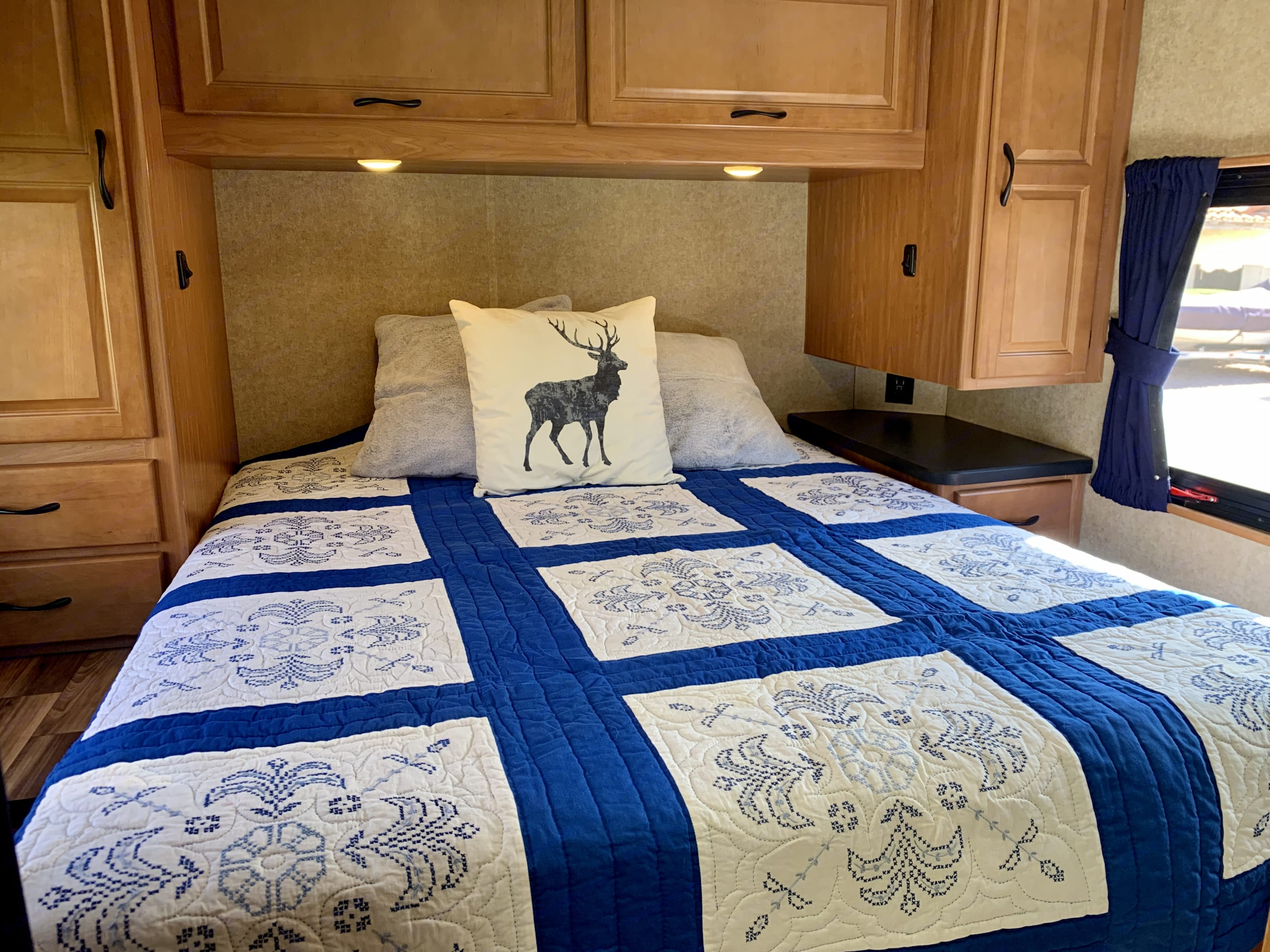 Ample room for two along with three drawers, two hanging closet cabinets and overhead cabinets. Two great windows for cross ventilation.. Thor Motor Coach Four Winds 2017