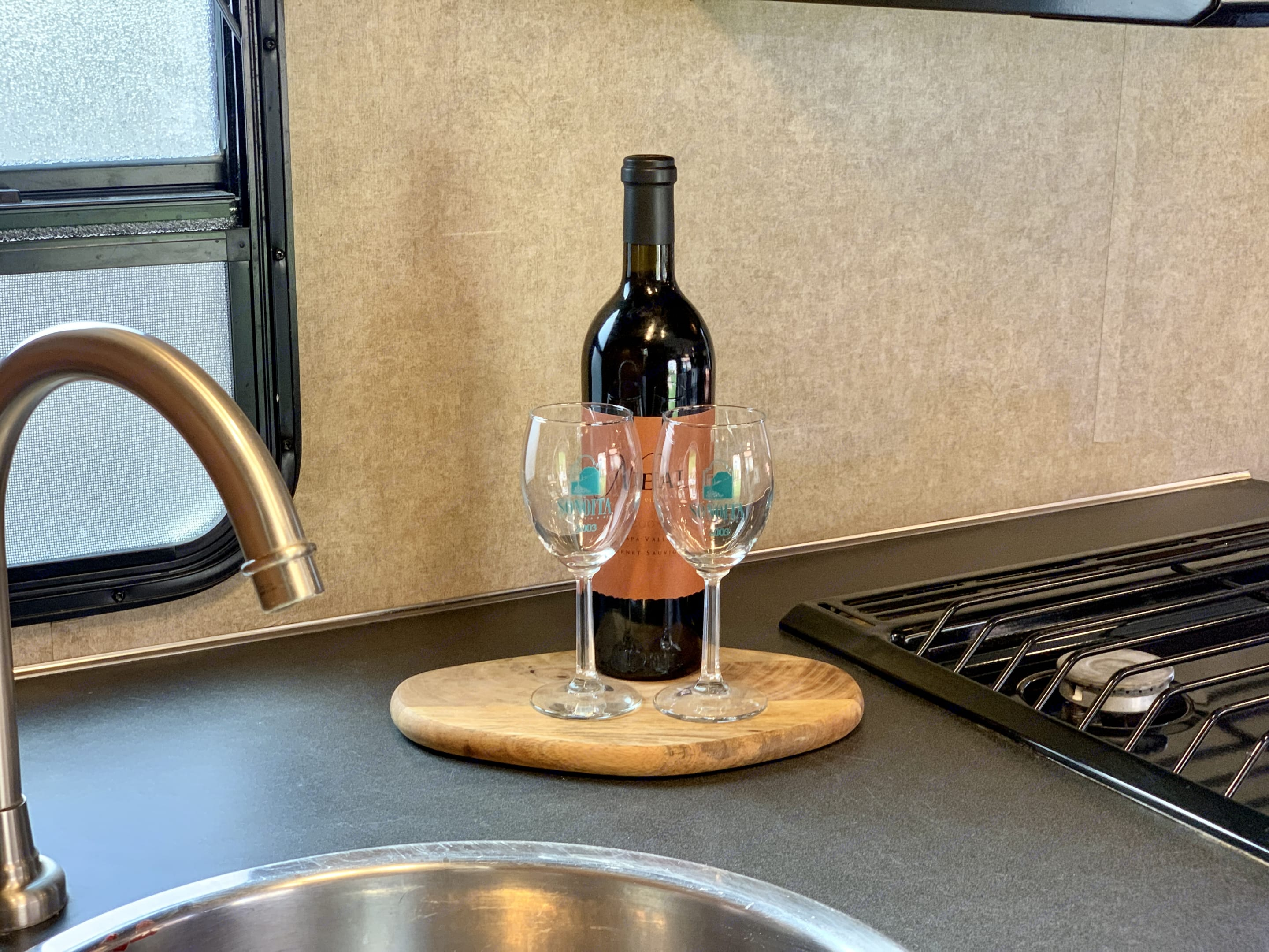 Take this rig wherever you want to go  - explore all that Arizona has to offer. Did we mention wine :). Thor Motor Coach Four Winds 2017