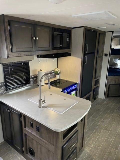 Kitchen Photo I. Heartland Mallard 2020