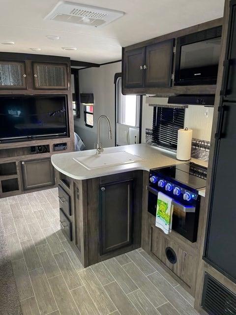 Kitchen Photo II. Heartland Mallard 2020