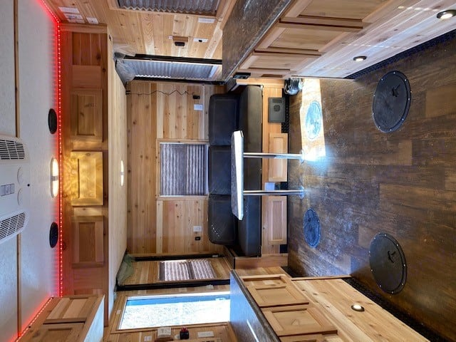 Ice Castle Fish Houses Tonka 2021