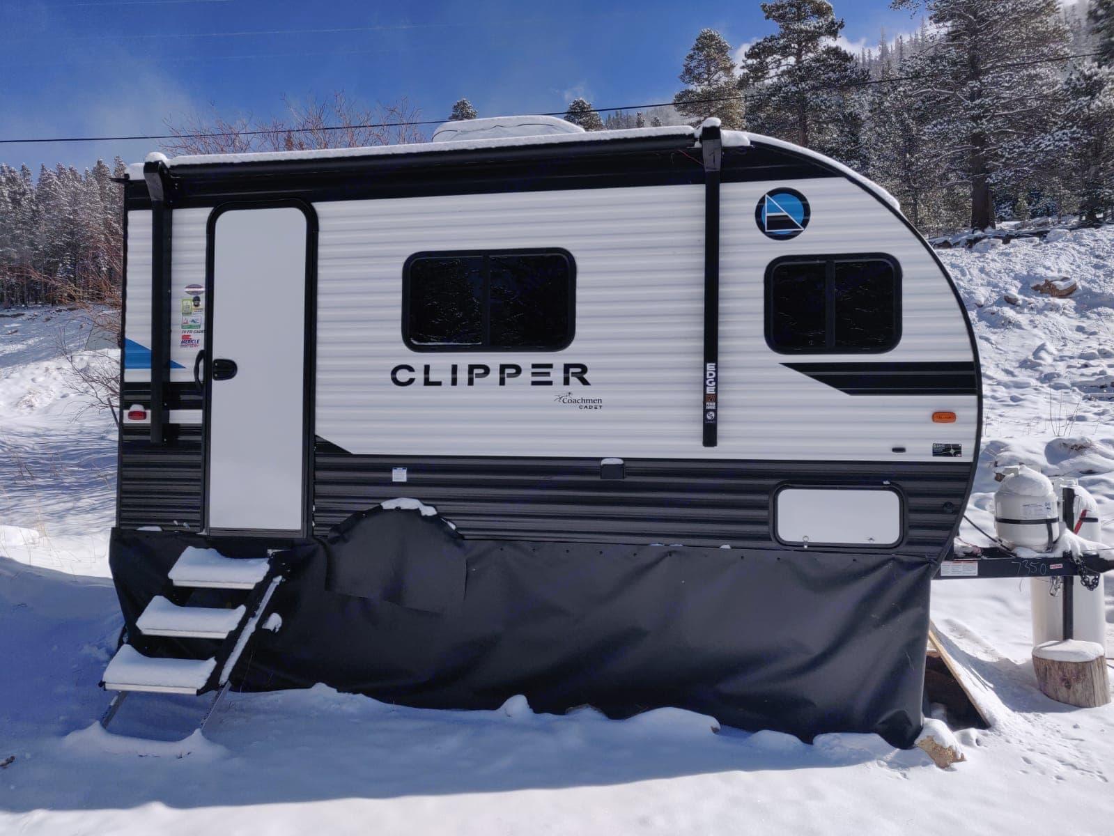 Camping in the Colorado snow. Coachmen Clipper 2021