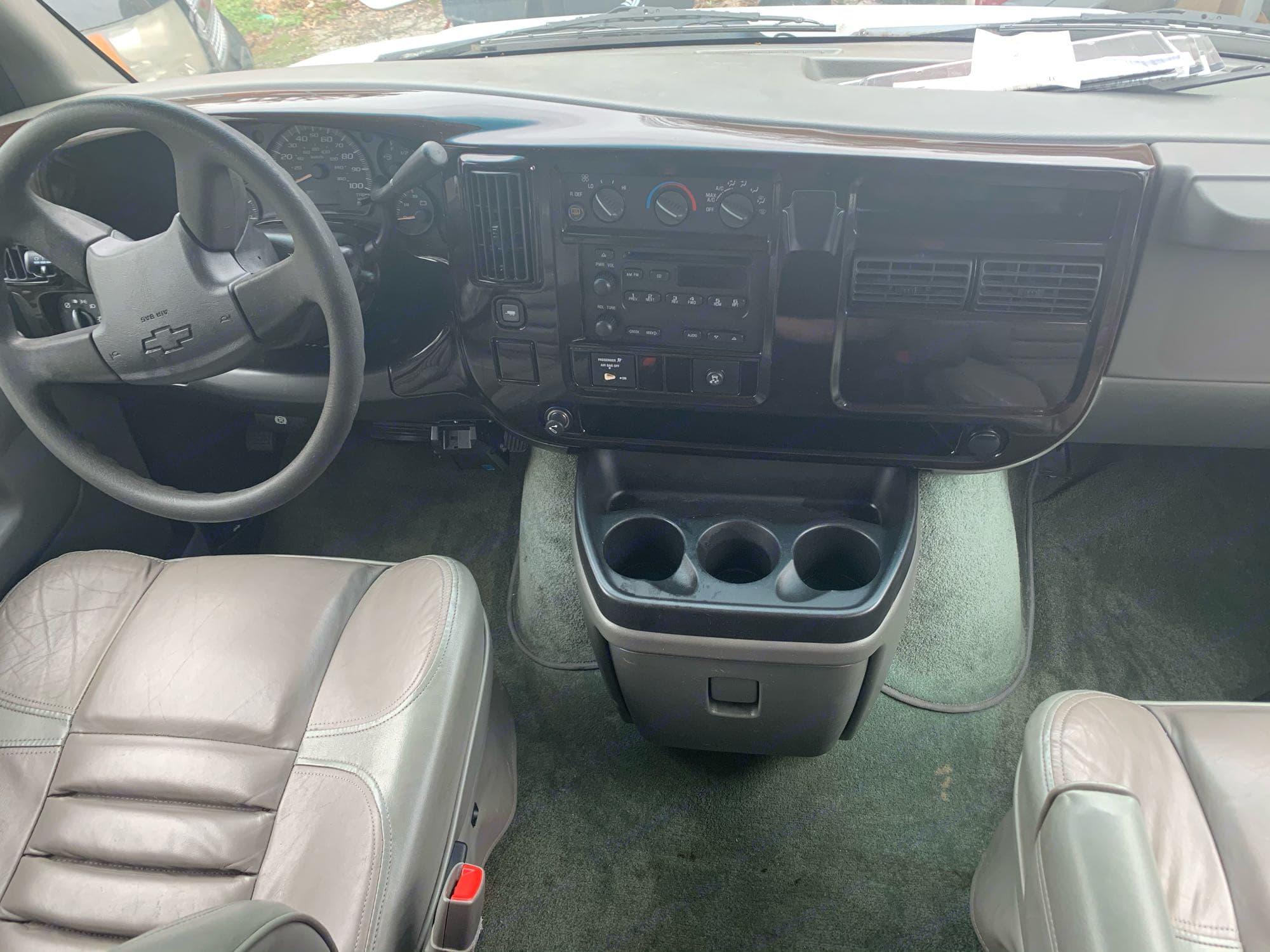 Chevrolet Express 3500 Rocky Ridge Conversion 2006